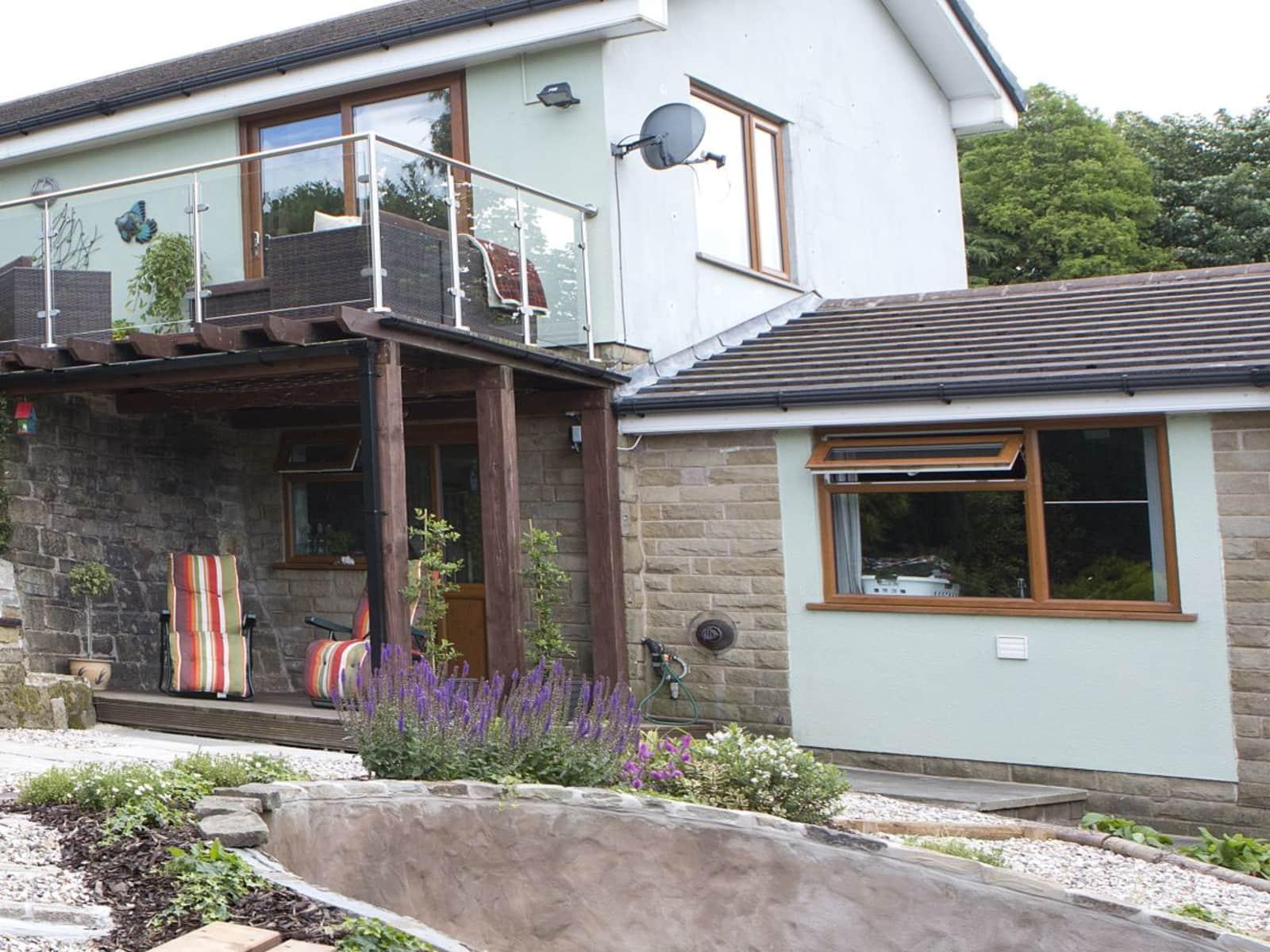 Housesitting assignment in Saddleworth, United Kingdom
