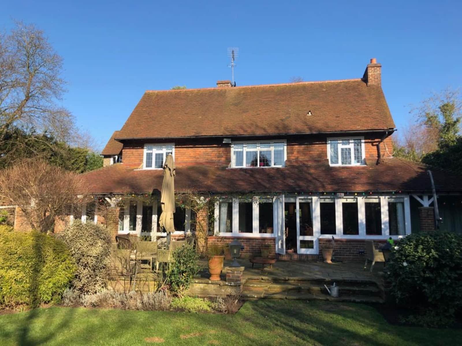 Housesitting assignment in Cobham, United Kingdom