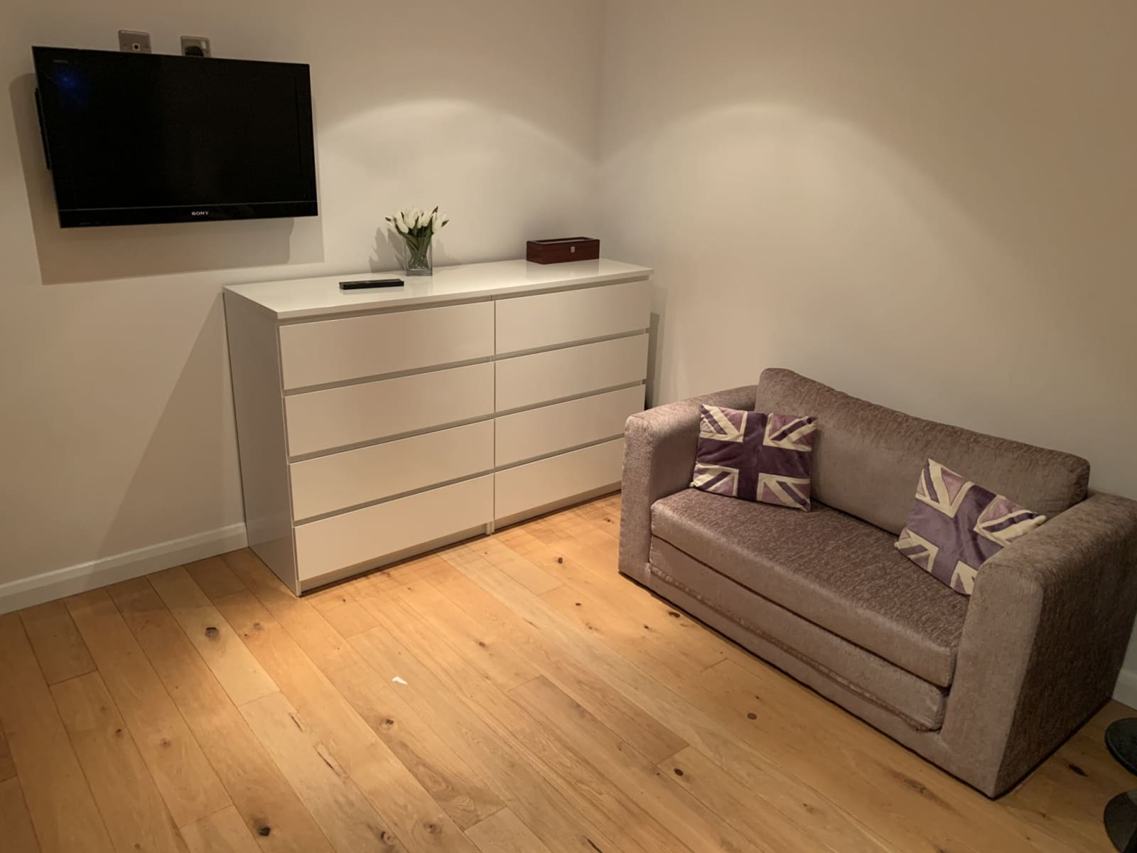 Housesitting assignment in Bedhampton, United Kingdom