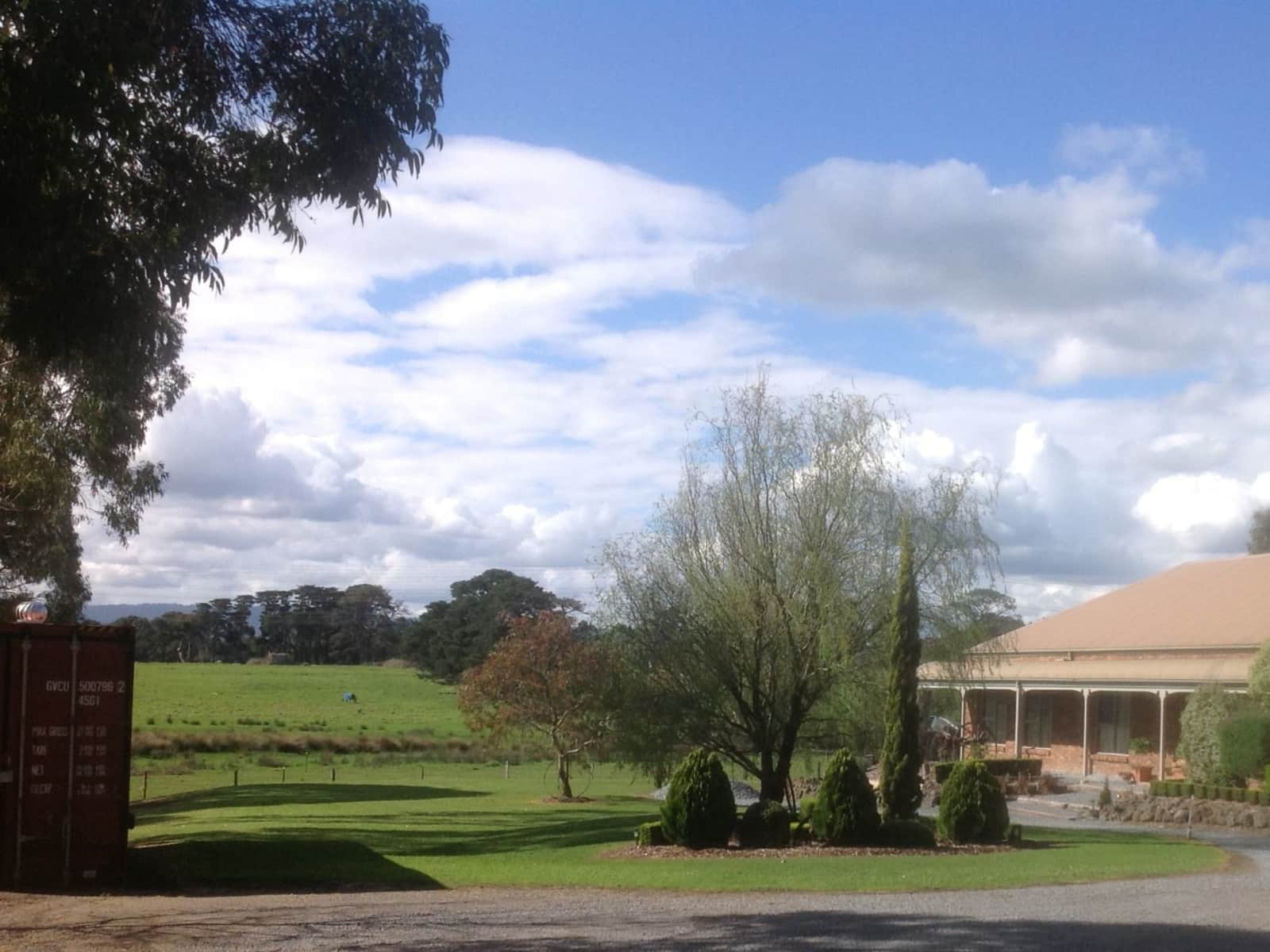 Housesitting assignment in Narre Warren North, Victoria, Australia