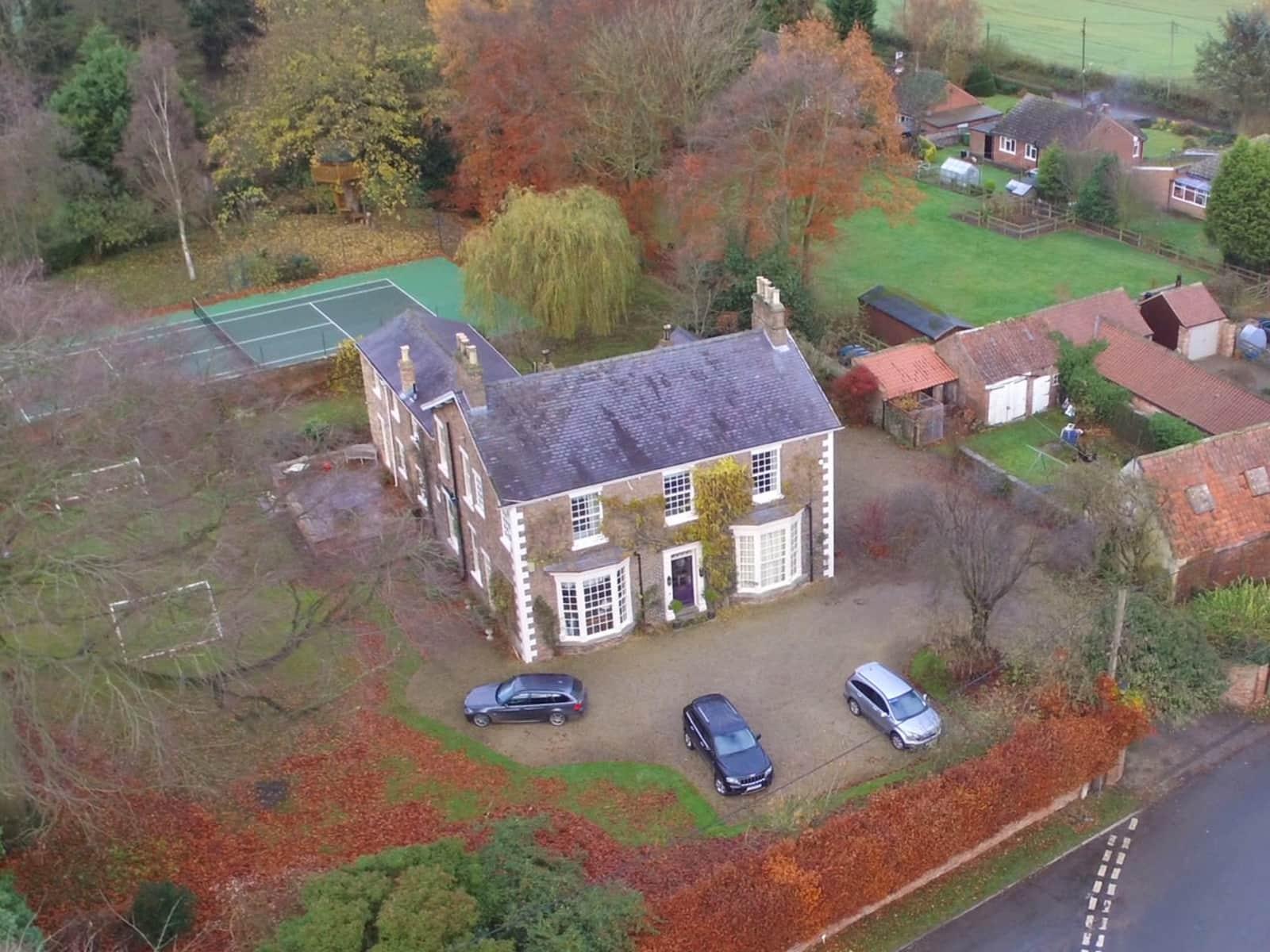 Housesitting assignment in Kirklington, United Kingdom