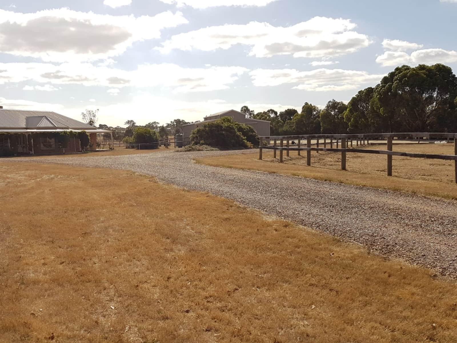 Housesitting assignment in Mickleham, Victoria, Australia