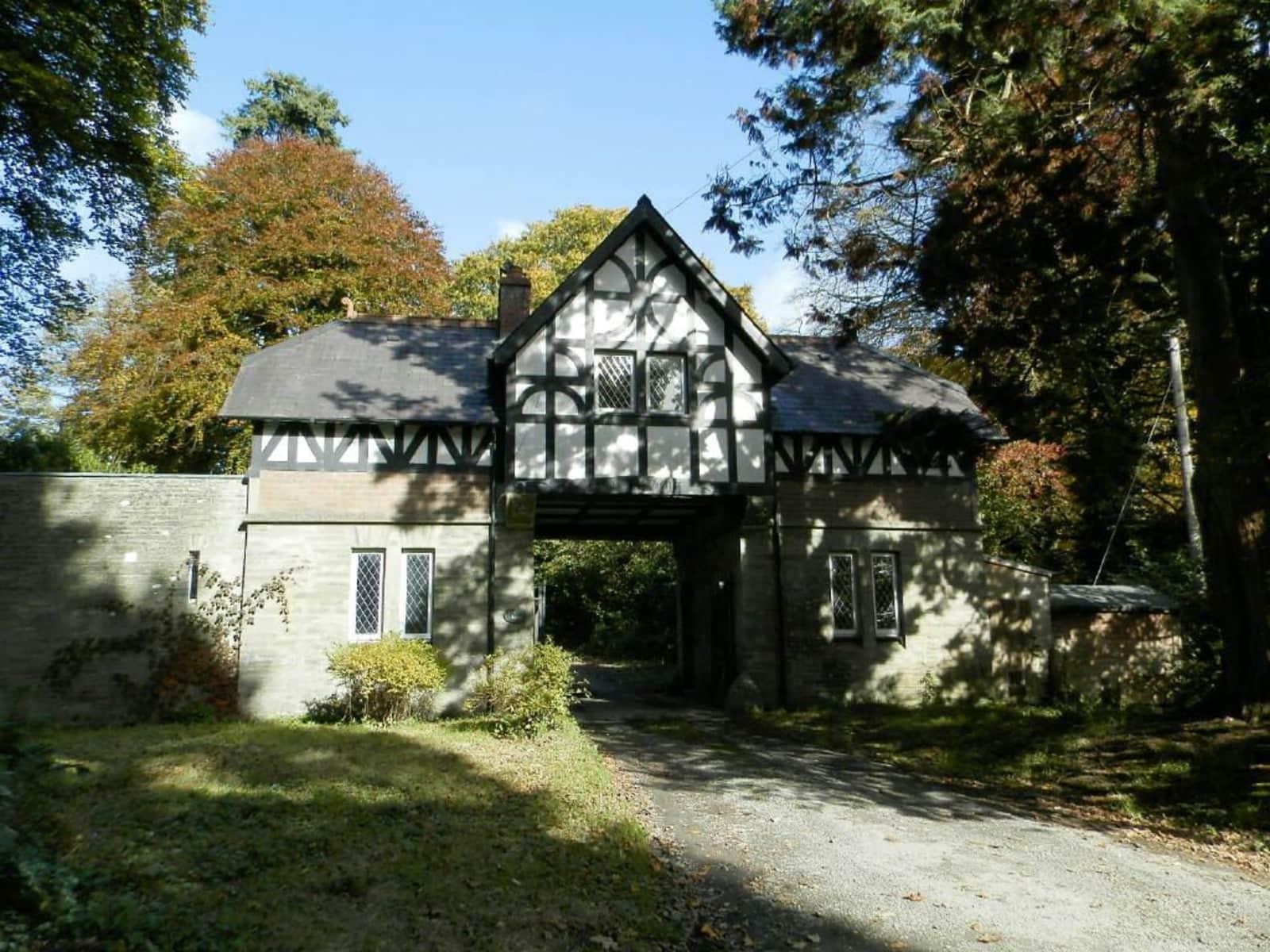 Housesitting assignment in Newcastle Emlyn, United Kingdom