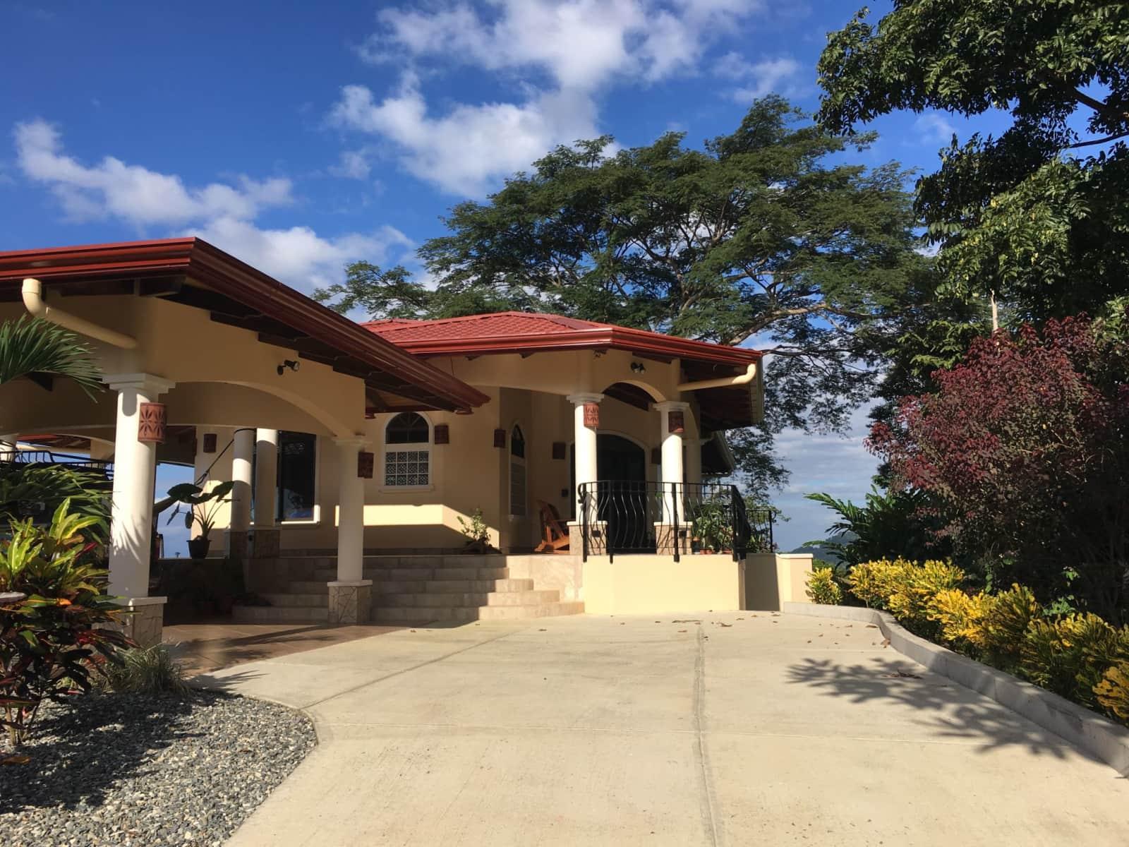Housesitting assignment in Coronado, Costa Rica
