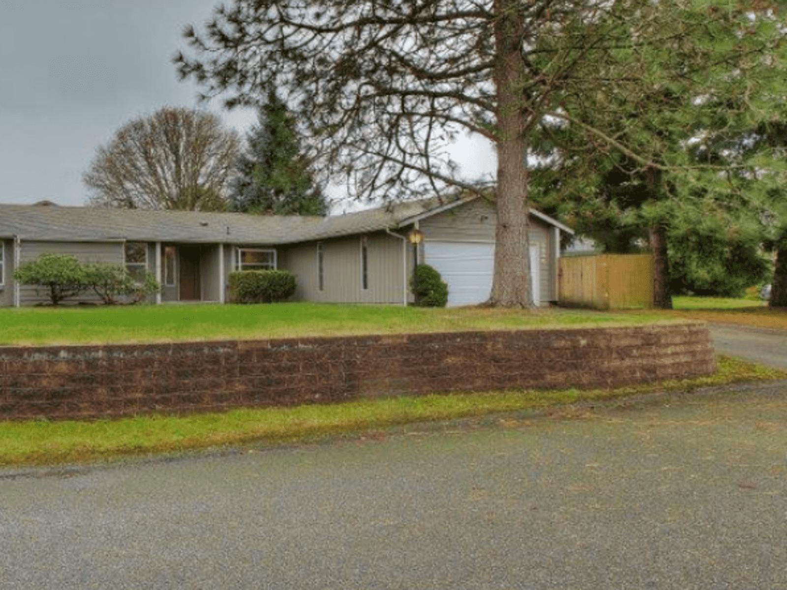 Housesitting assignment in Lakewood, Washington, United States