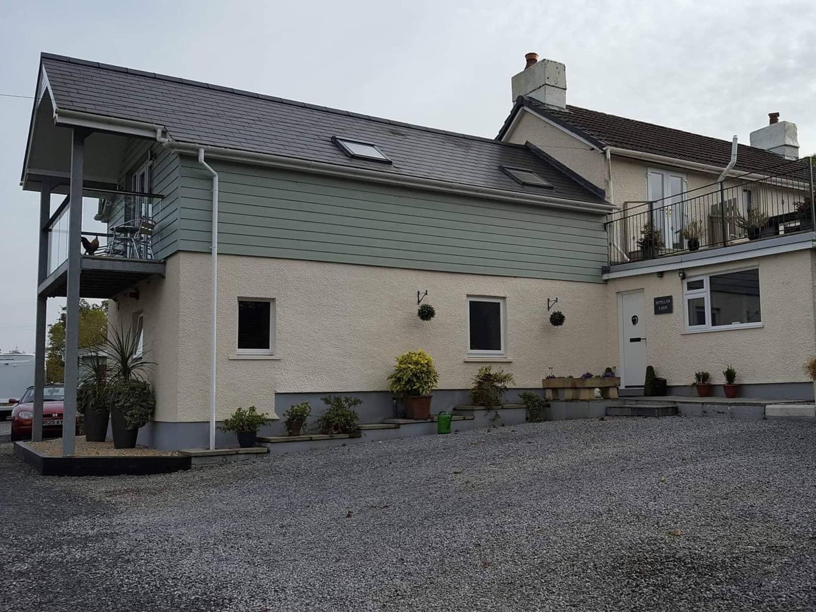 Housesitting assignment in Llanwnen, United Kingdom