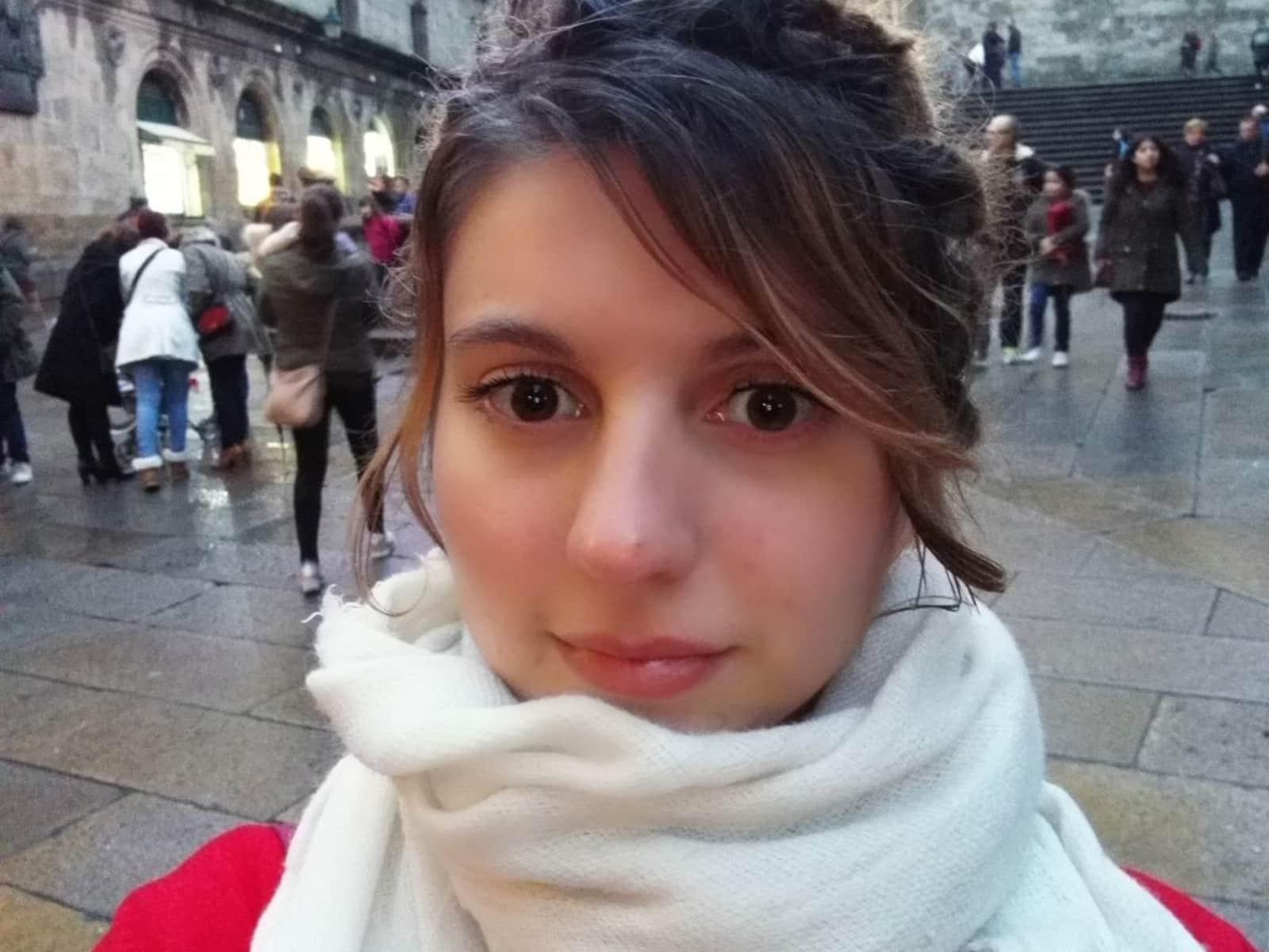 Robyn from Birmingham, United Kingdom