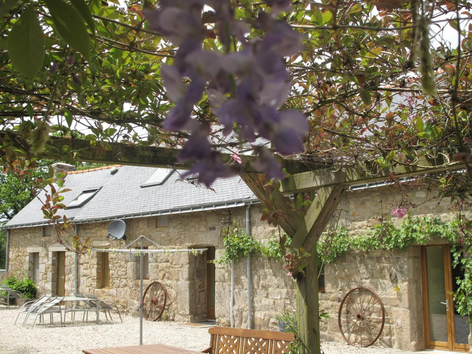 Housesitting assignment in Saint-Nicolas-du-Pélem, France