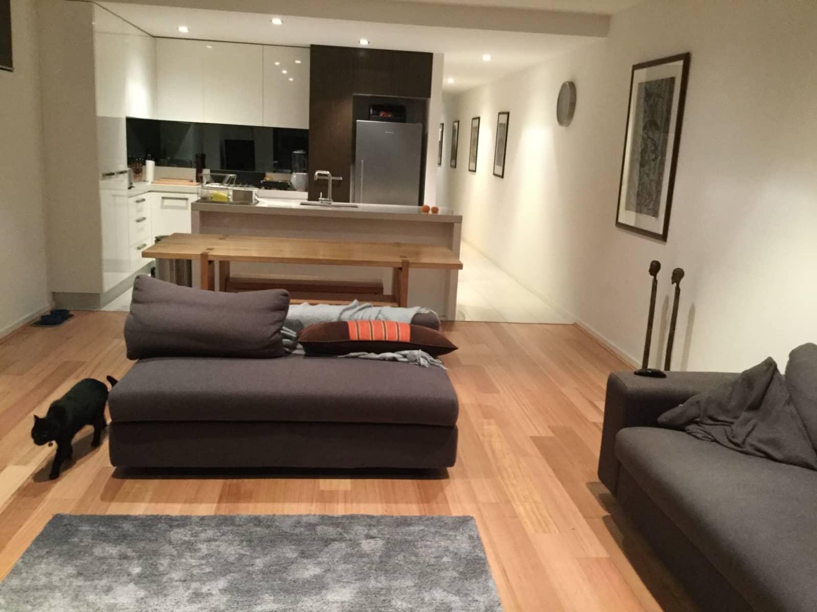 Housesitting assignment in Elwood, Victoria, Australia