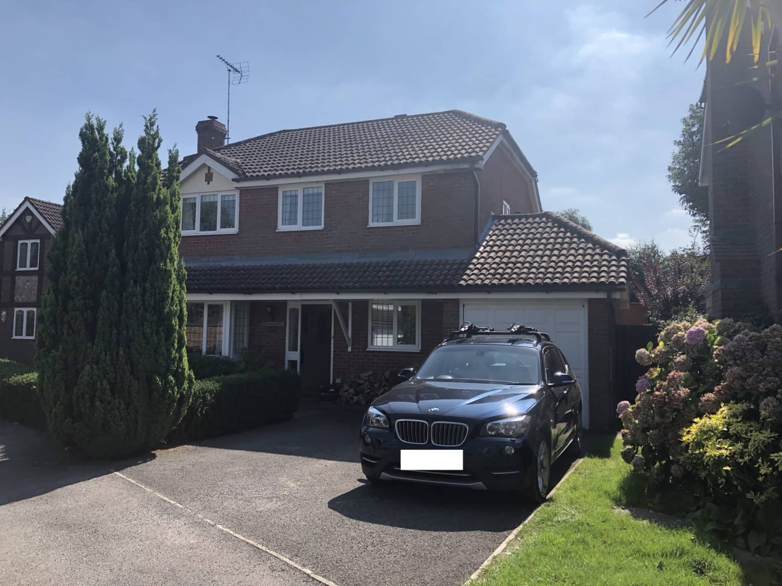 Housesitting assignment in Henfield, United Kingdom