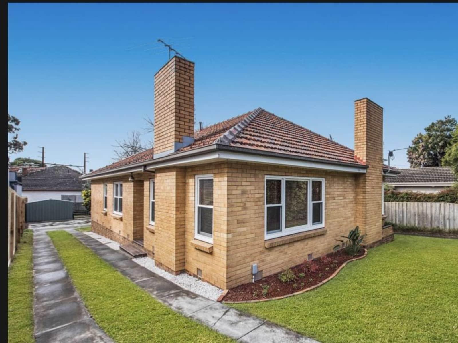 Housesitting assignment in Cheltenham, Victoria, Australia