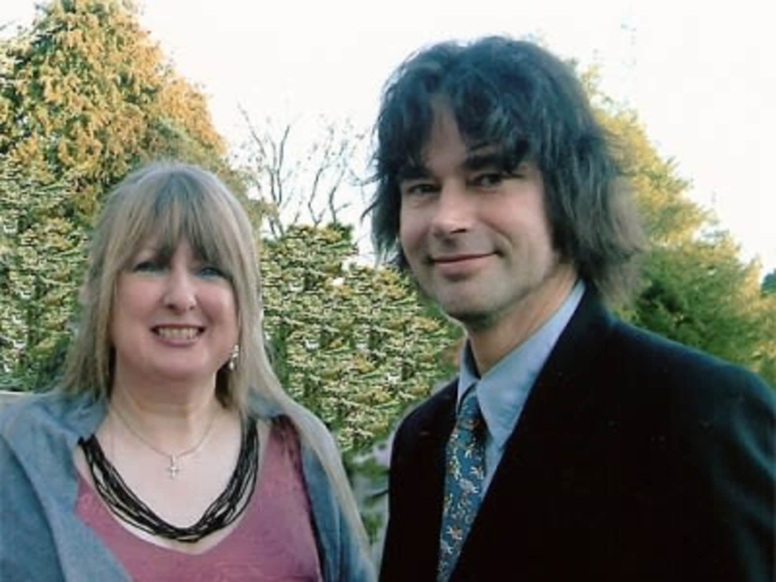Mia & Leo from Maidstone, United Kingdom