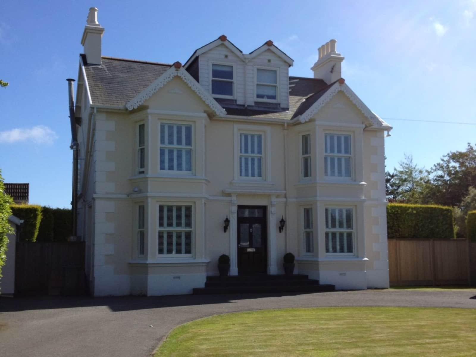 Housesitting assignment in Saint Peter Port, Guernsey