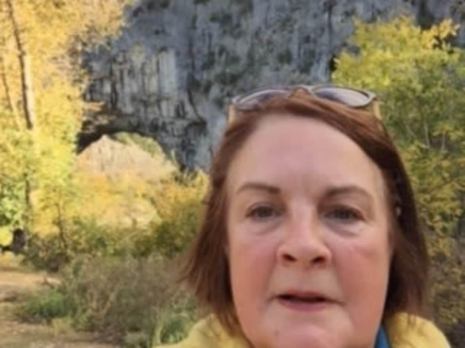 Elaine from Guéret, France