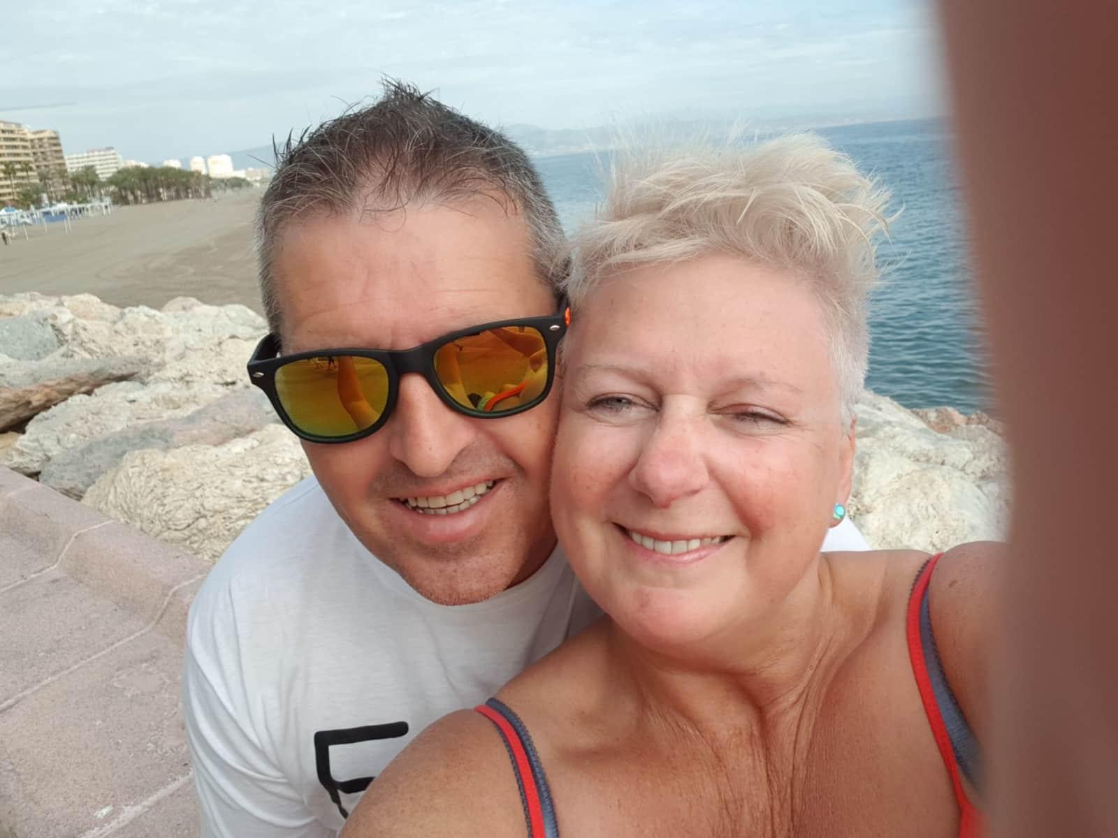 Pauline & Bob from Cupar, United Kingdom