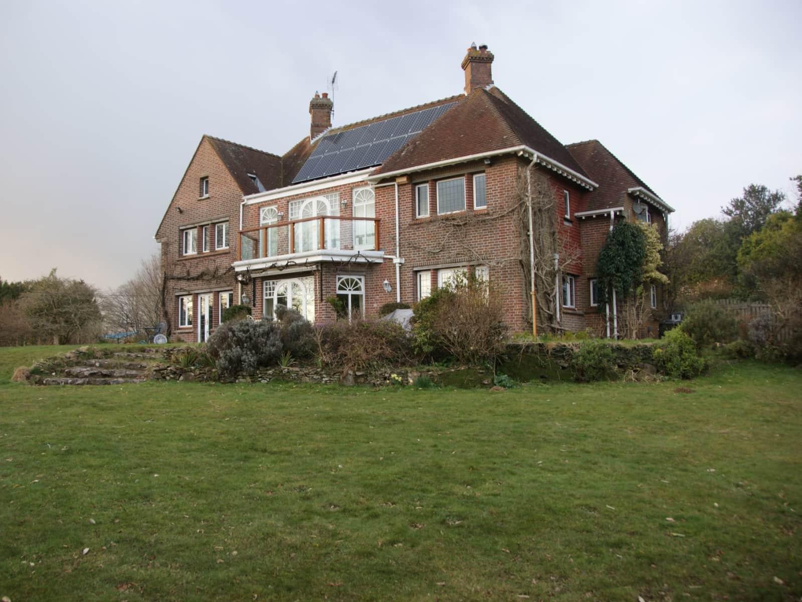 Housesitting assignment in Lytchett Matravers, United Kingdom
