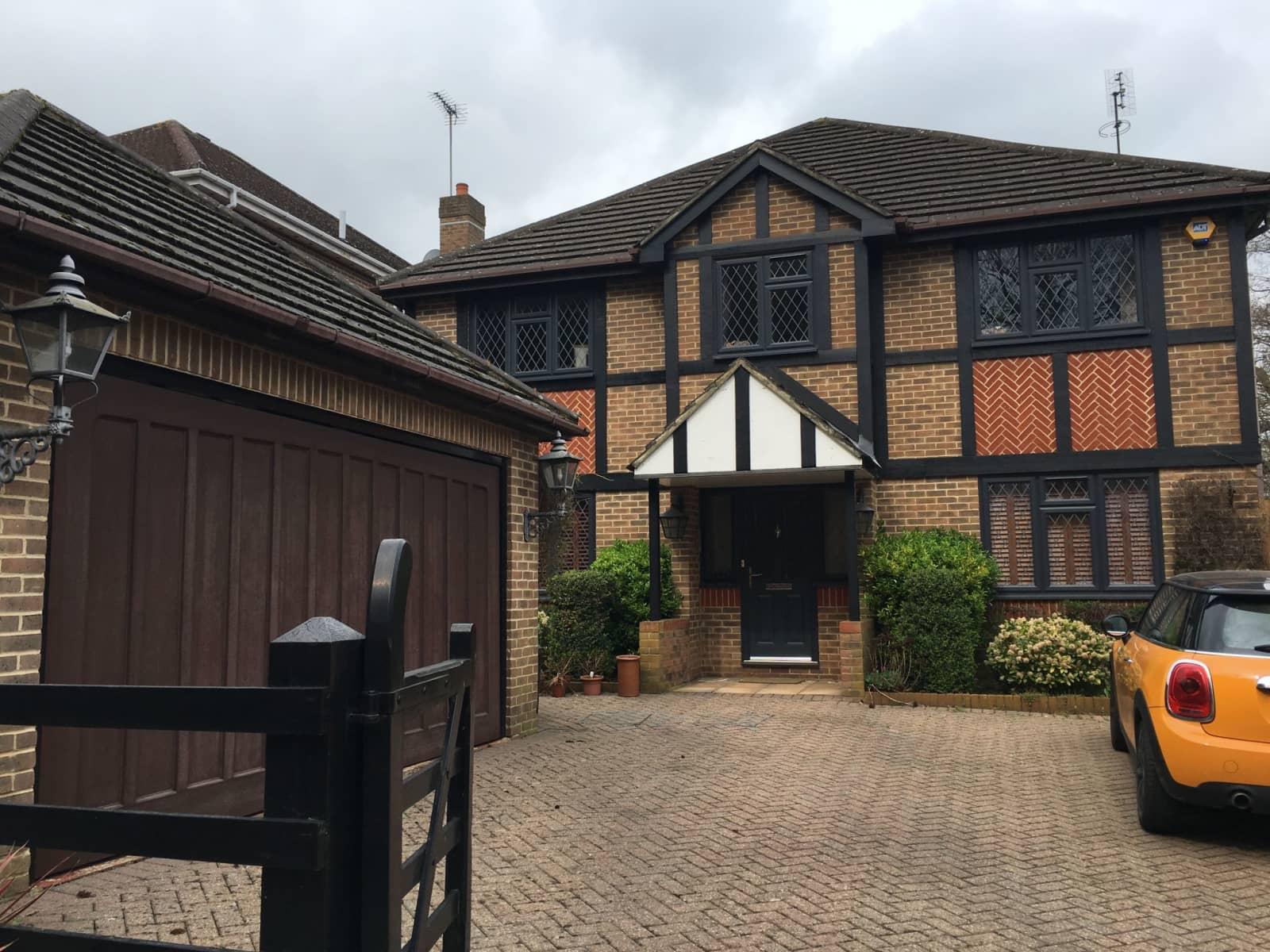 Housesitting assignment in Northwood, United Kingdom