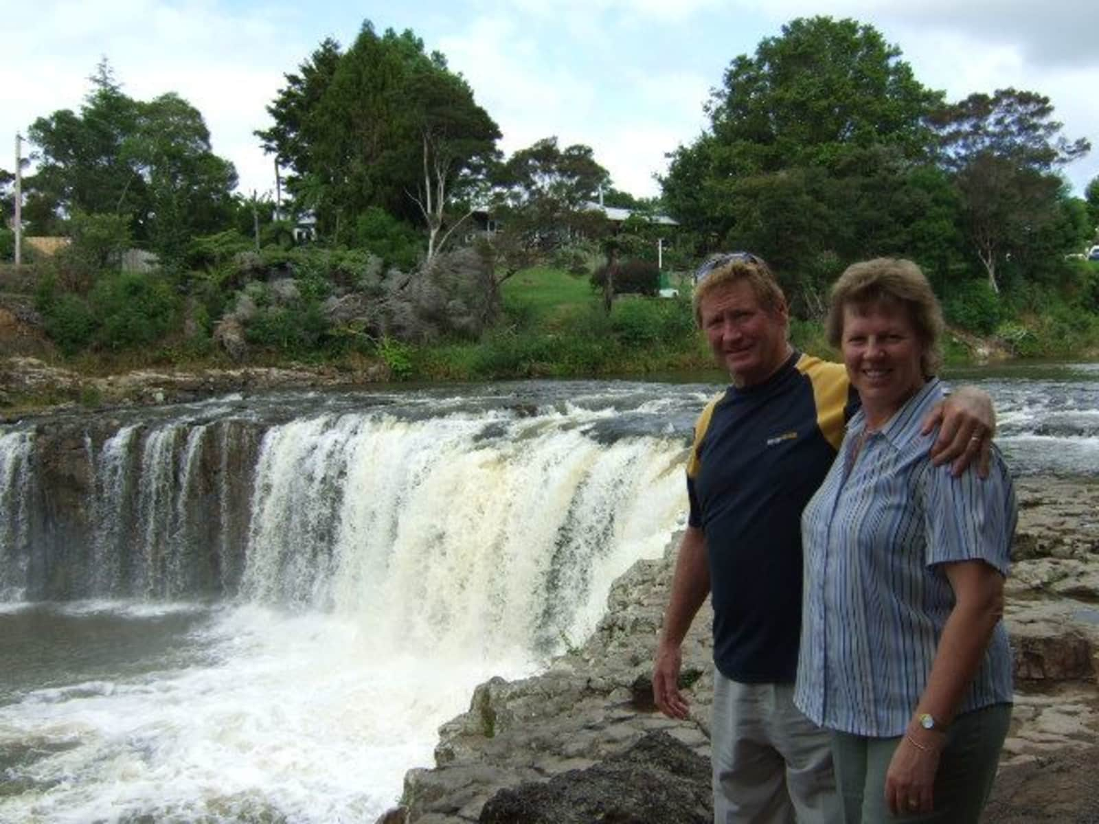 Keith & Sue from North Wollongong, New South Wales, Australia