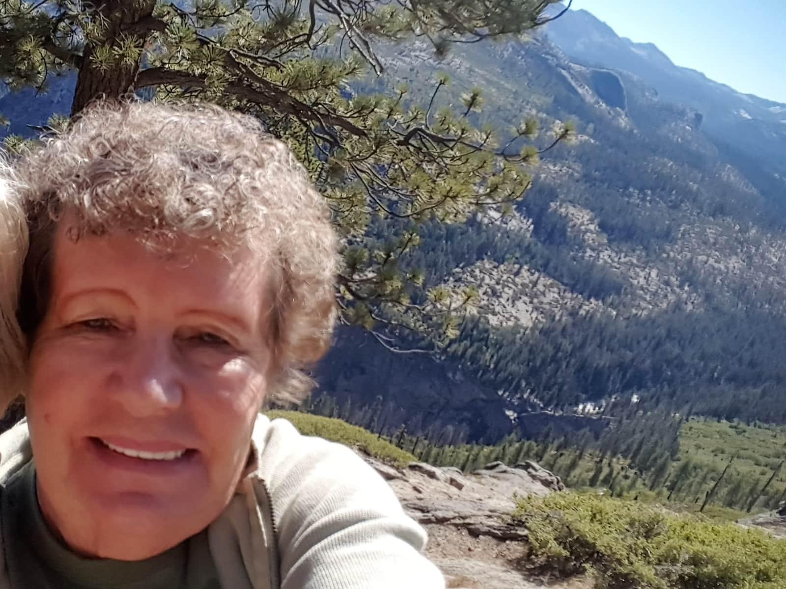Helene from Phoenix, Arizona, United States