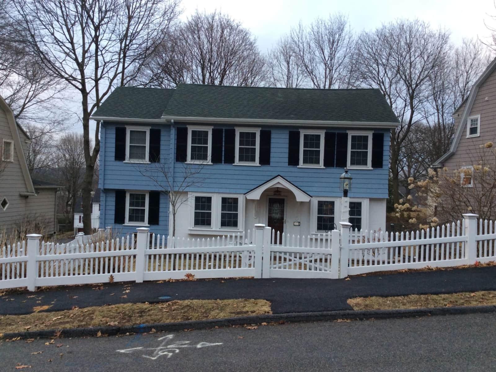 Housesitting assignment in Wellesley Hills, Massachusetts, United States