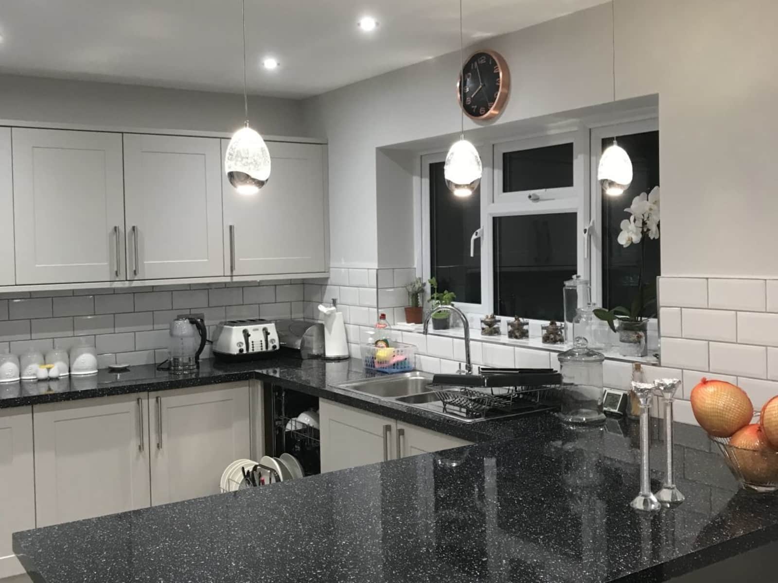 Housesitting assignment in Park Street, United Kingdom