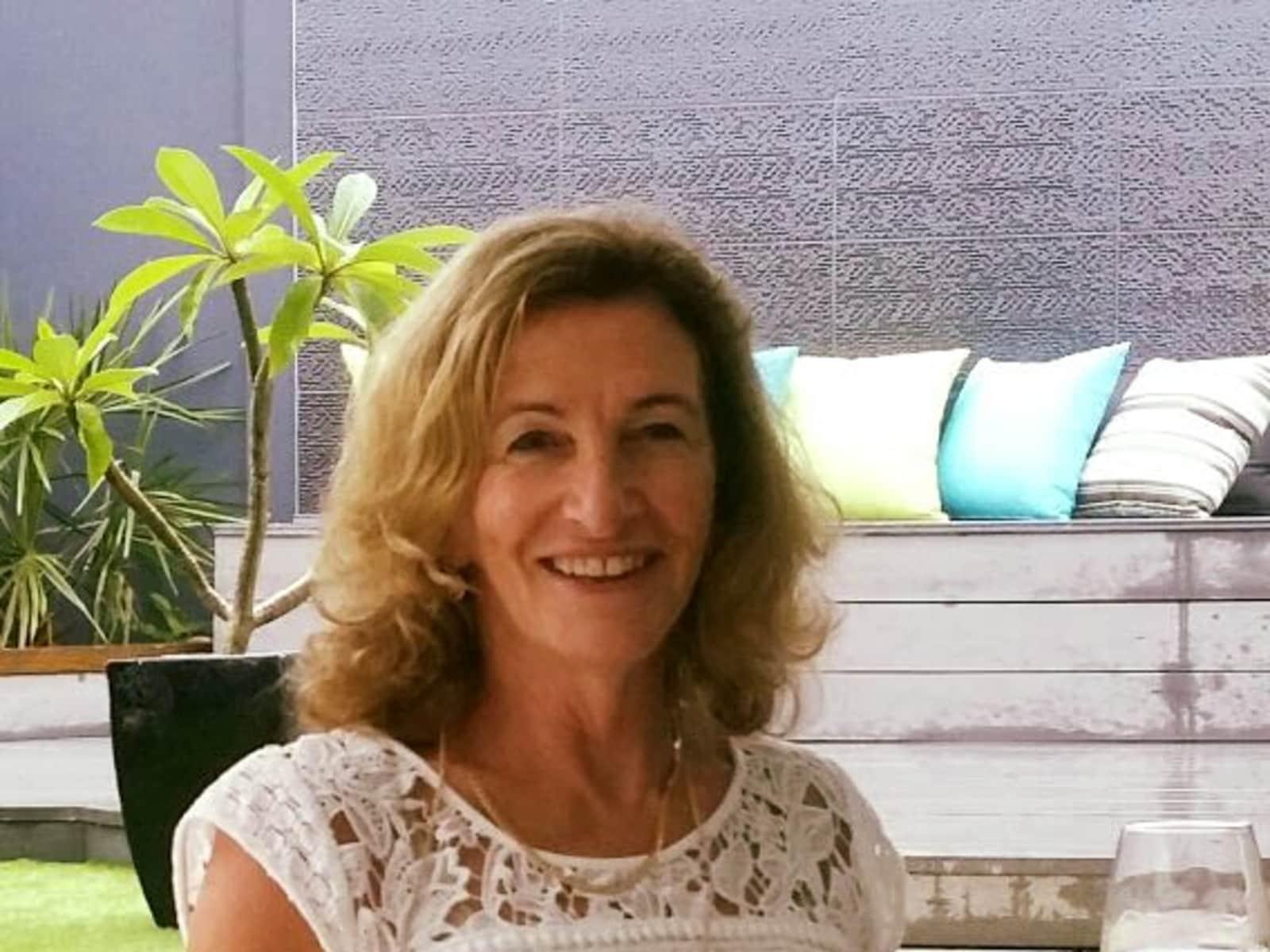 Vicki from Bateau Bay, New South Wales, Australia