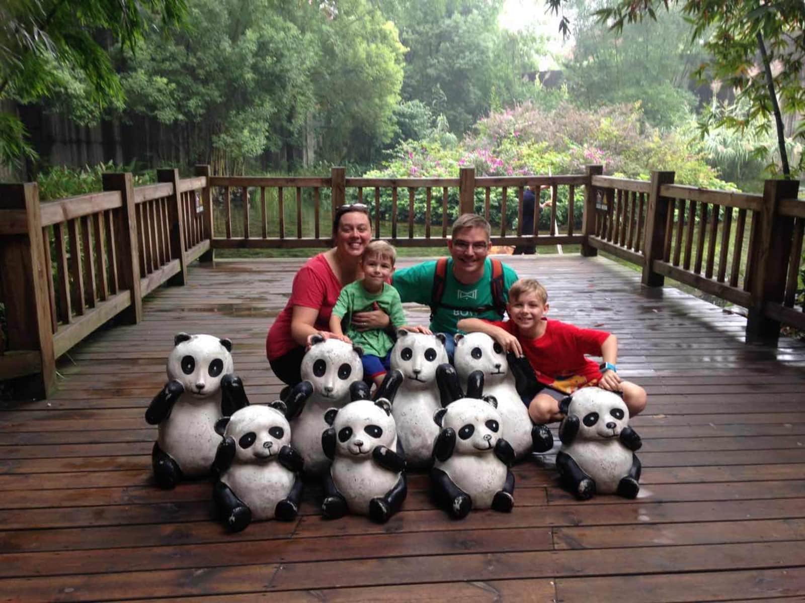 Amanda & Jonathan from Chengdu, China