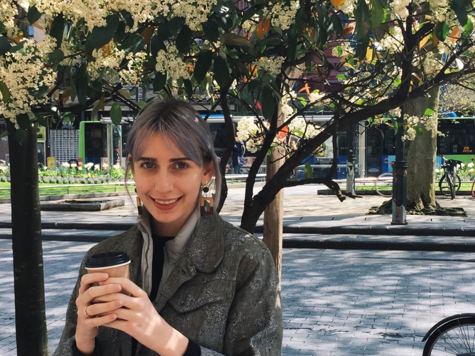 Dana from City of London, United Kingdom