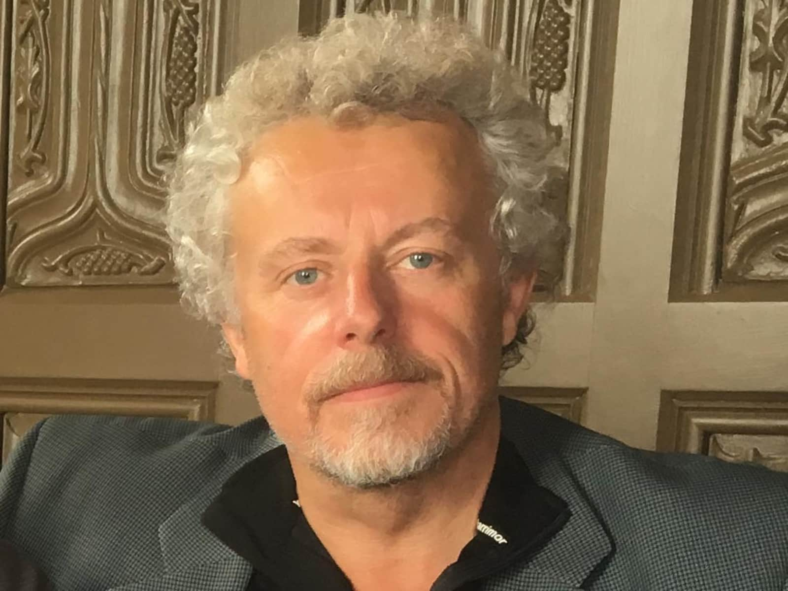 Professor. nicholas from Arundel, United Kingdom