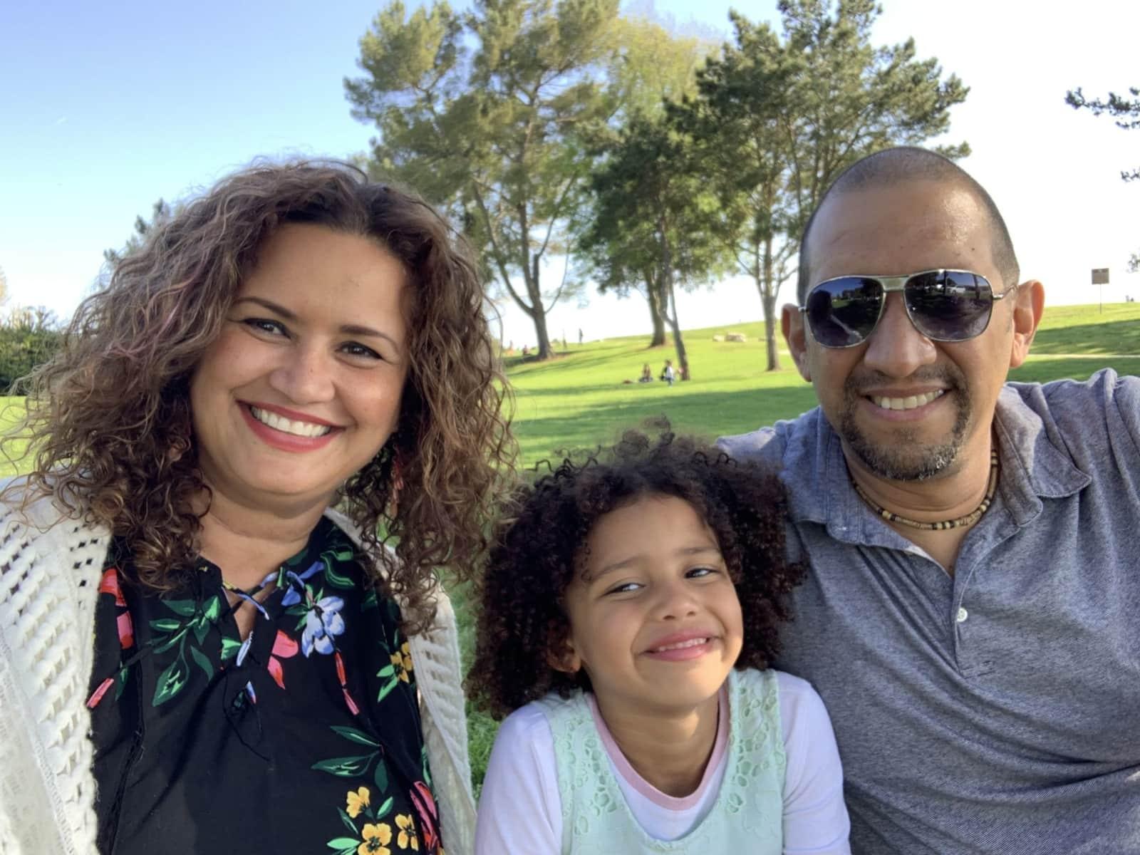 Blanca, randal & vicky & Randal from Playa del Rey, California, United States