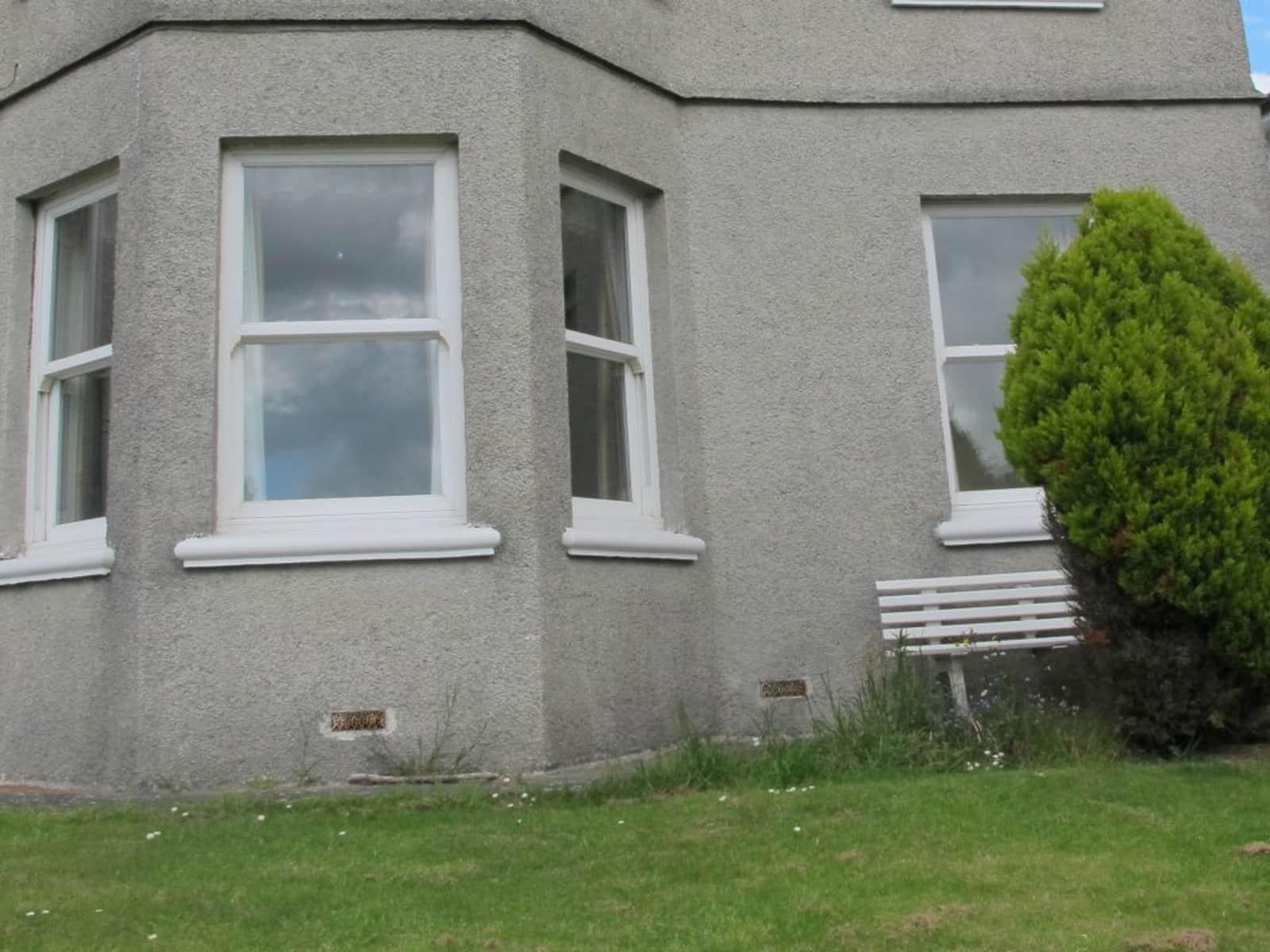 Housesitting assignment in Plympton, United Kingdom