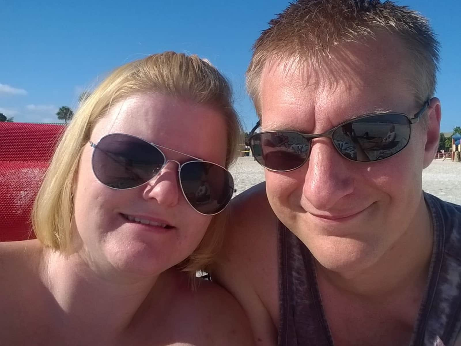 Laura & Nat from Chesterfield, United Kingdom