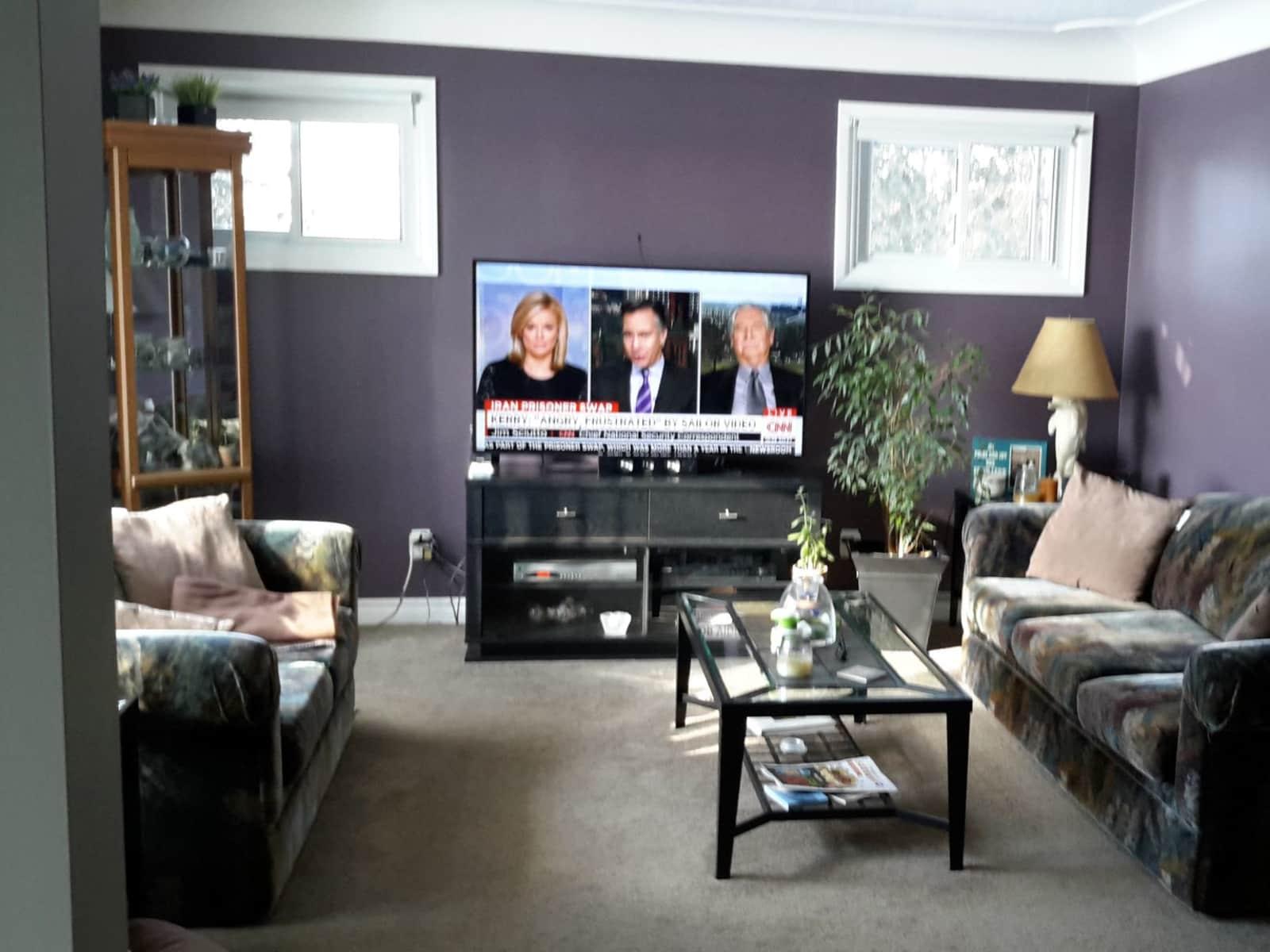 Housesitting assignment in Delhi, Ontario, Canada