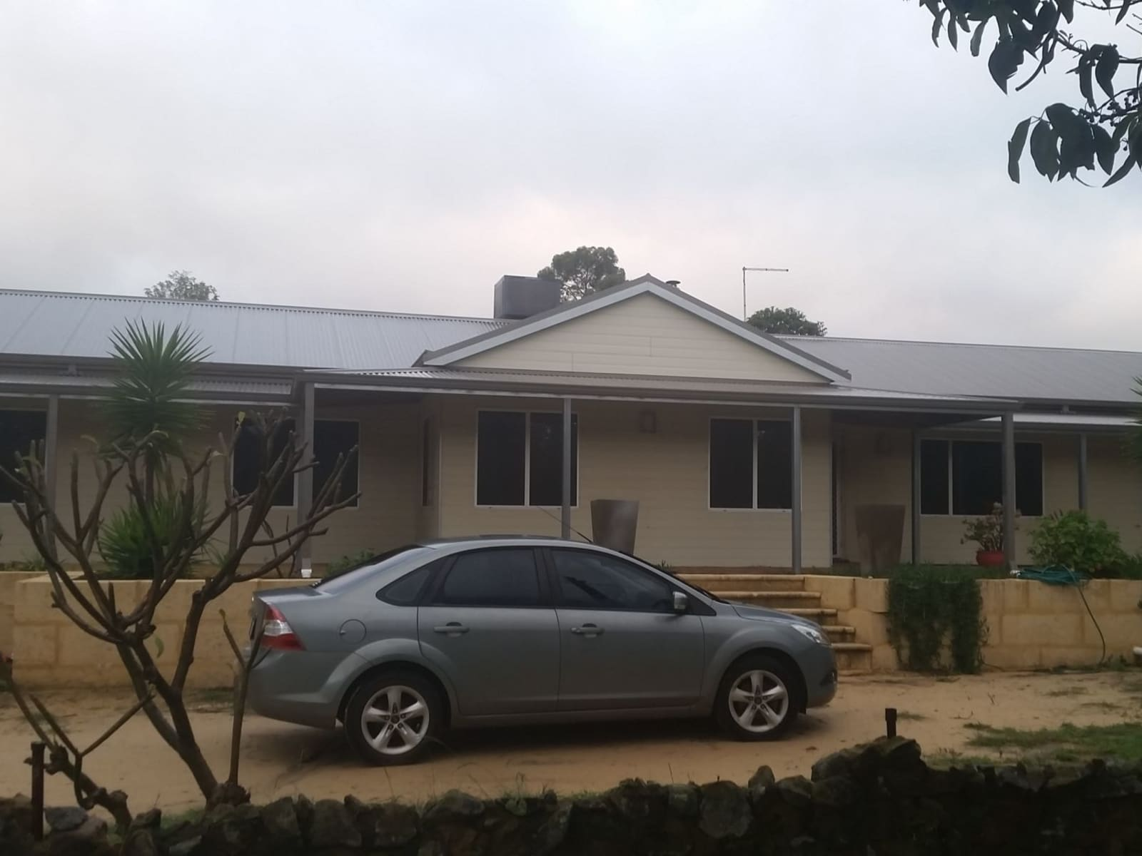 Housesitting assignment in Serpentine, Western Australia, Australia