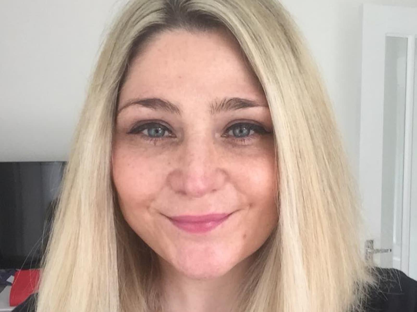 Kelly from Warwick, United Kingdom