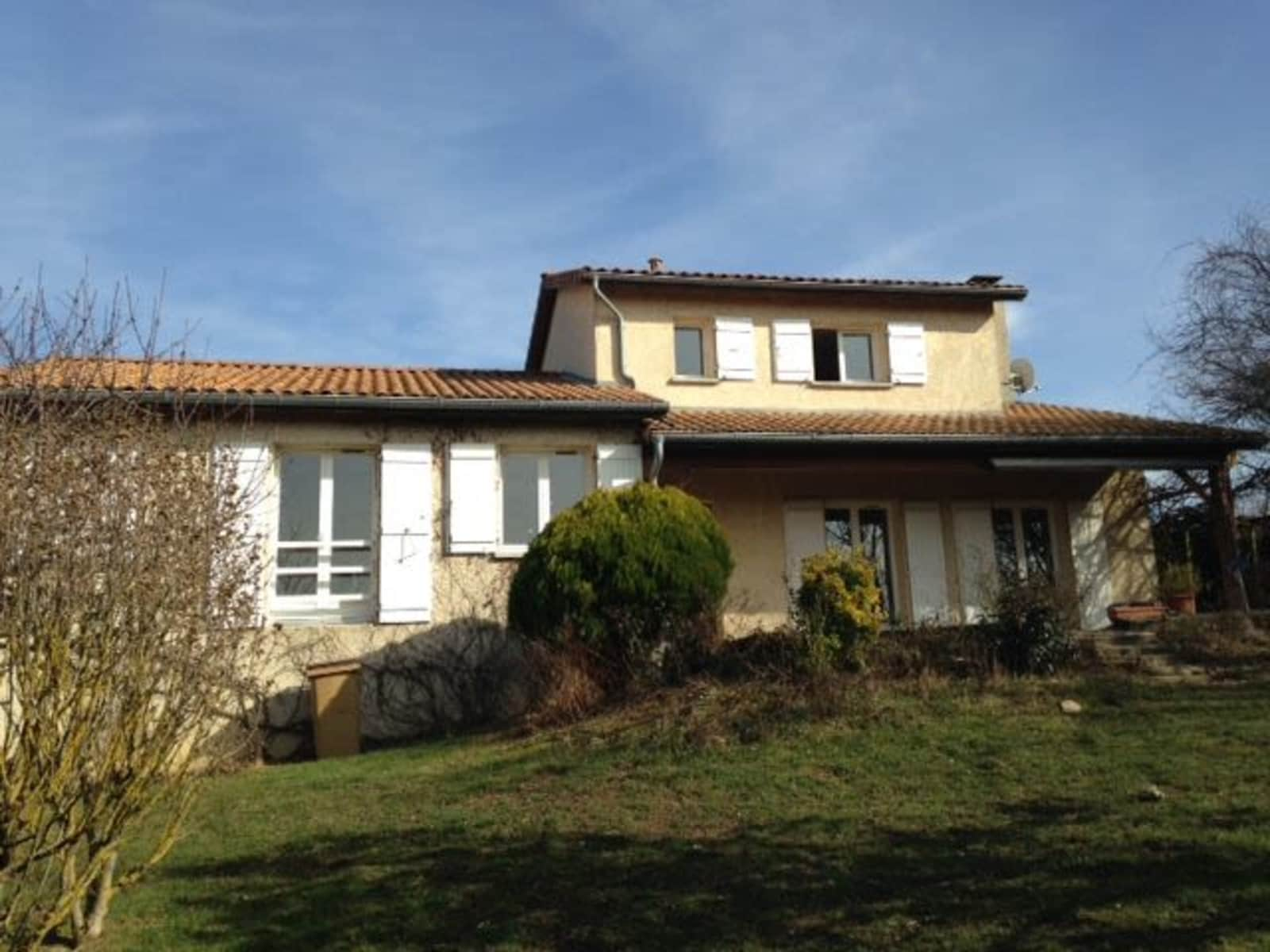 Housesitting assignment in Lissieu, France