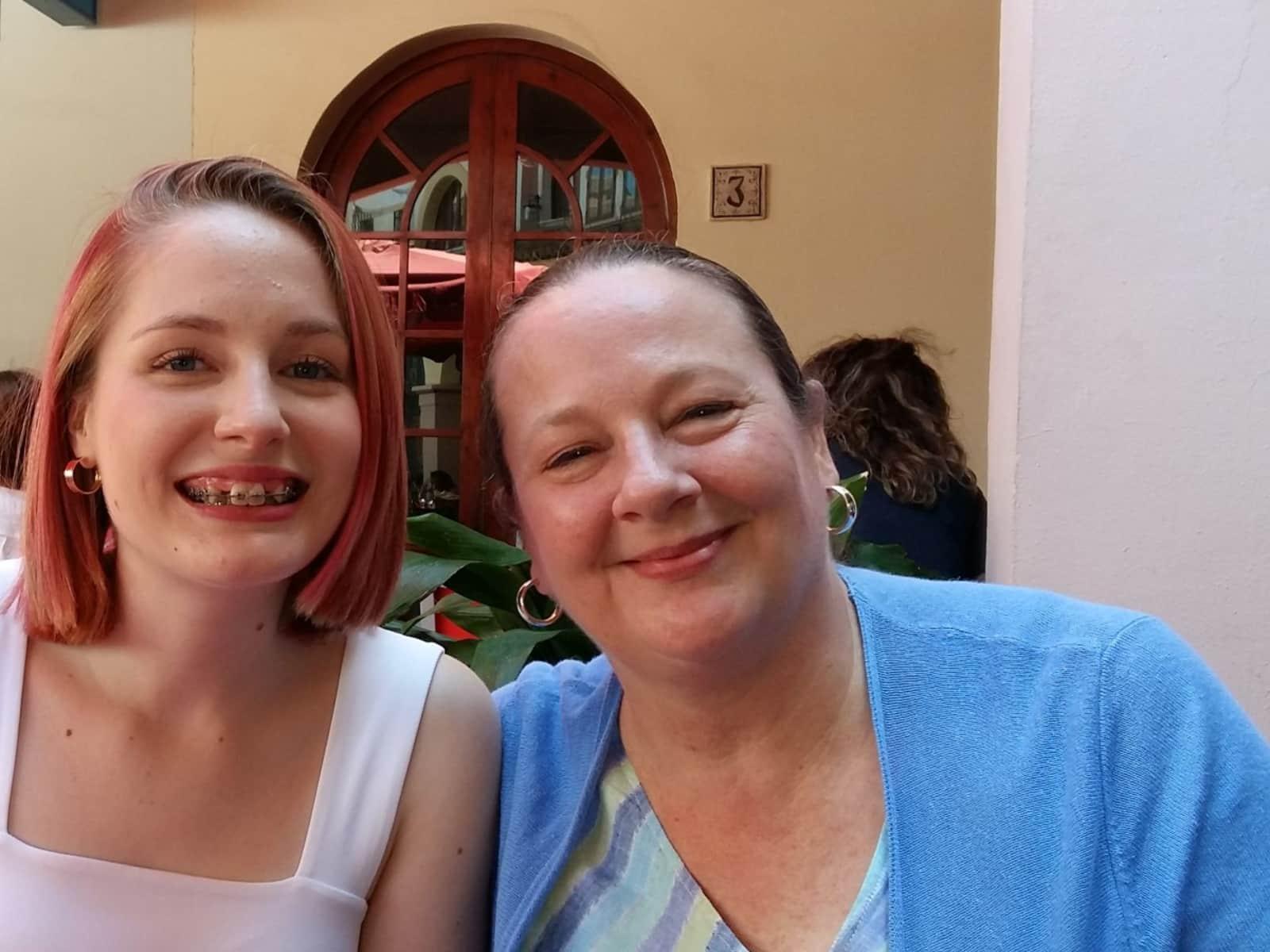 Laurie & Elizabeth from Castelló de la Plana, Spain
