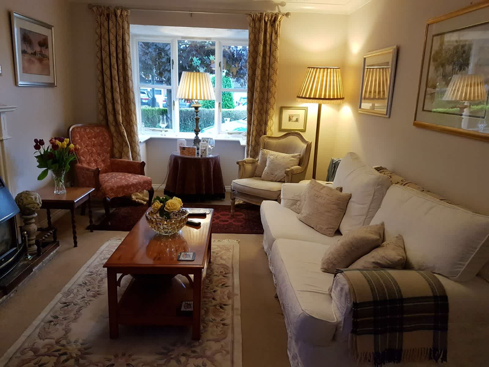 Housesitting assignment in Studley, United Kingdom