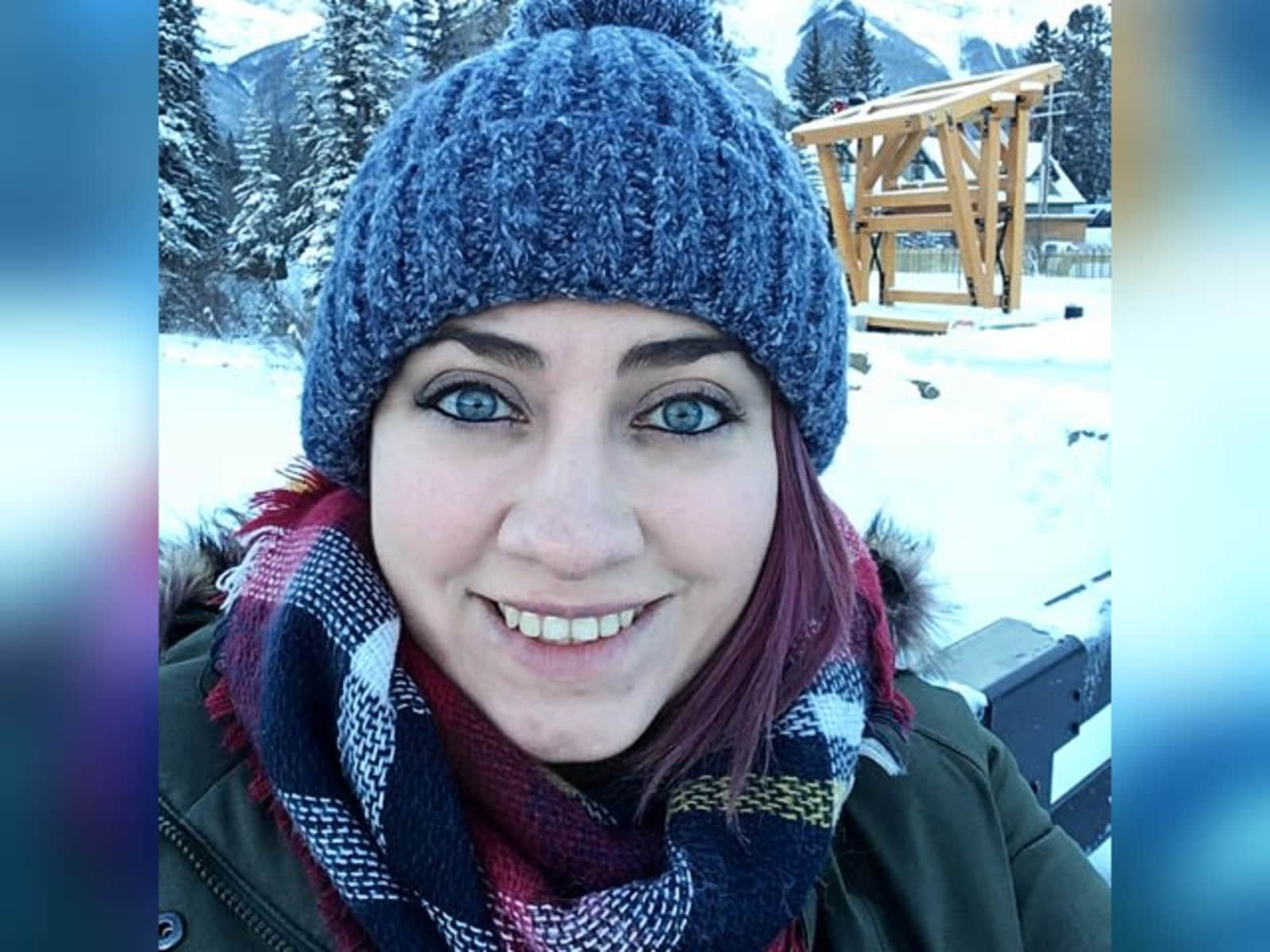 Ally from Edmonton, Alberta, Canada