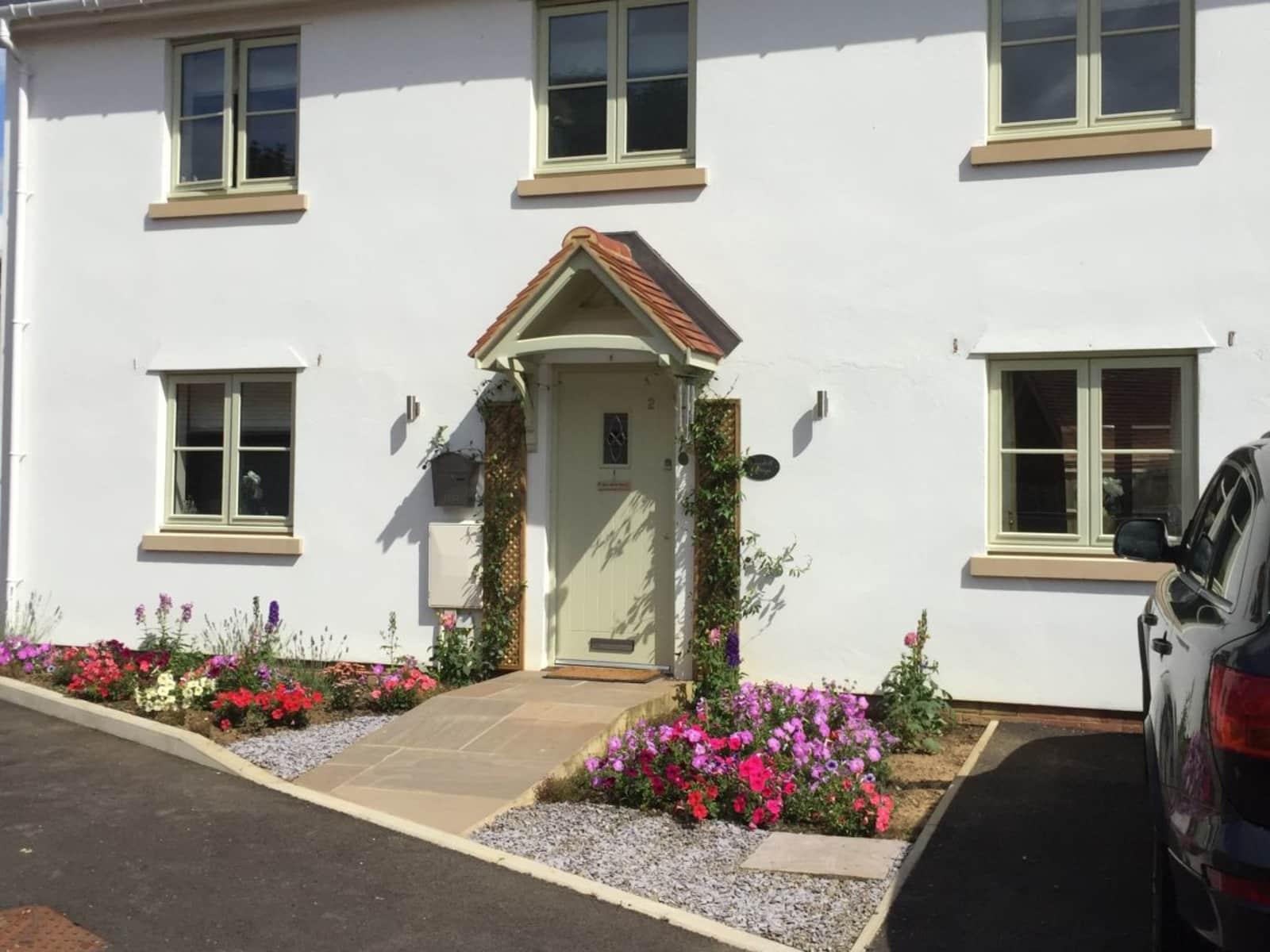 Housesitting assignment in Netheravon, United Kingdom