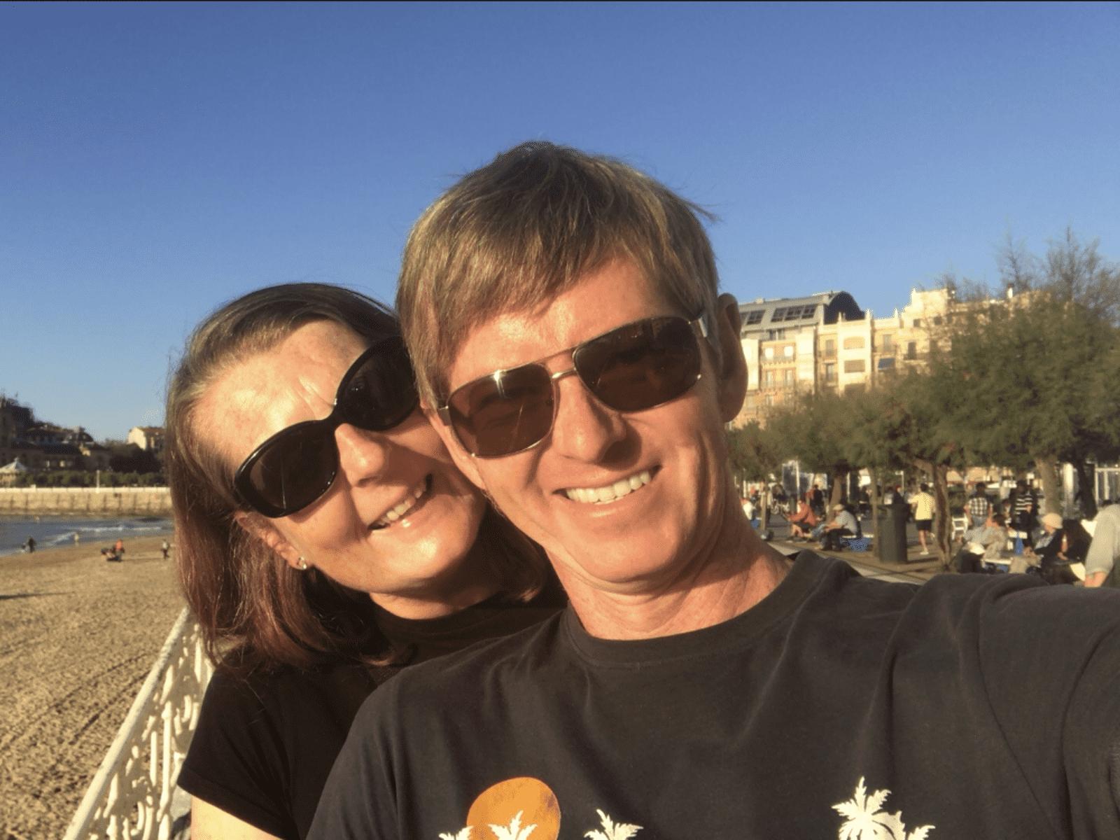 Melanie & Biz from Hull, United Kingdom