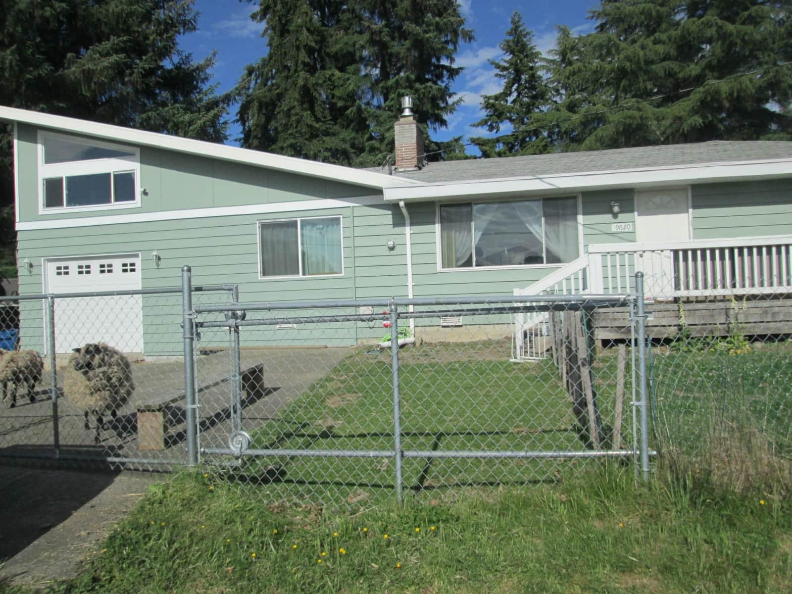 Housesitting assignment in Renton, Washington, United States