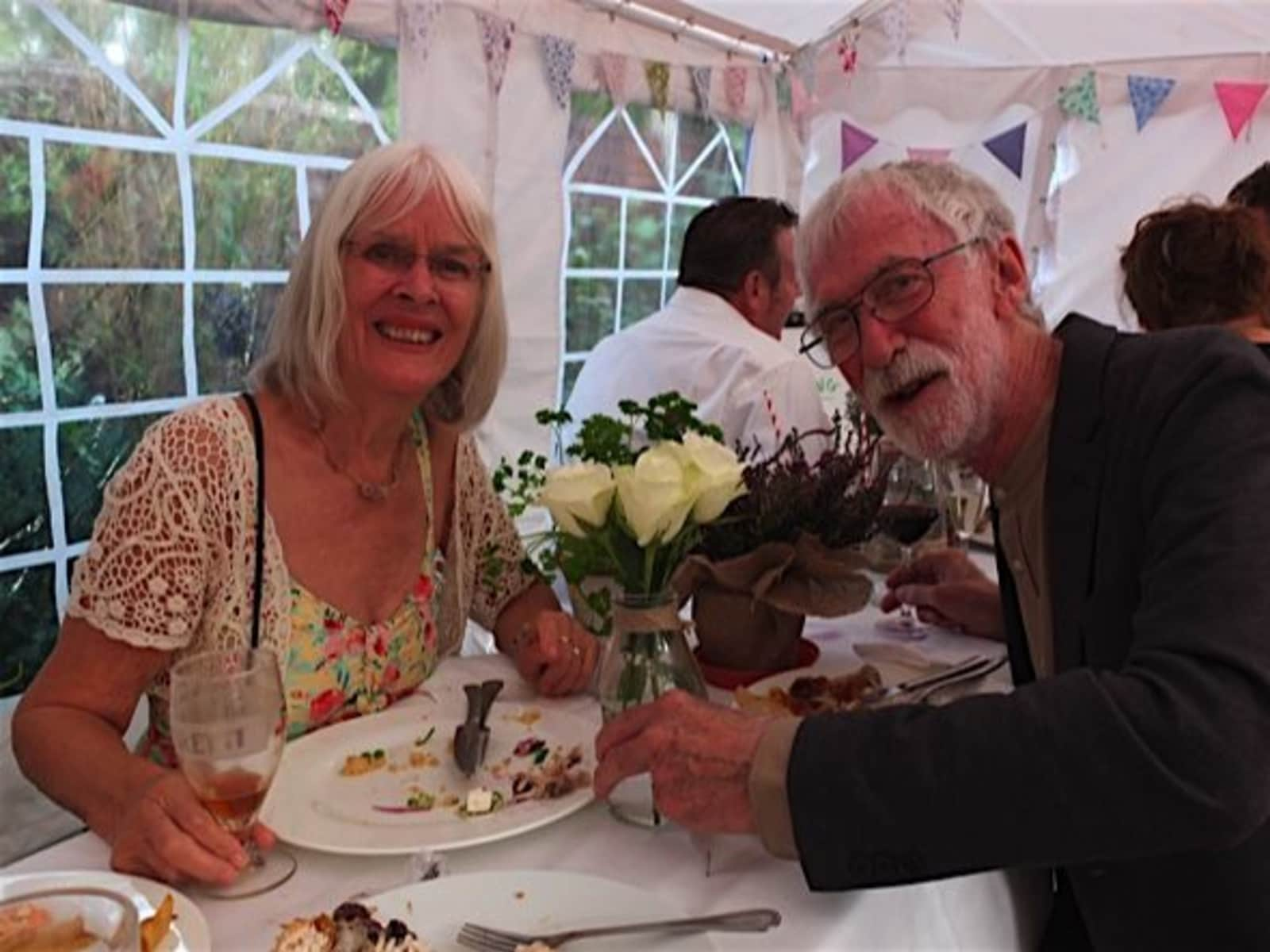 Liz & Peter from Cornillon, France