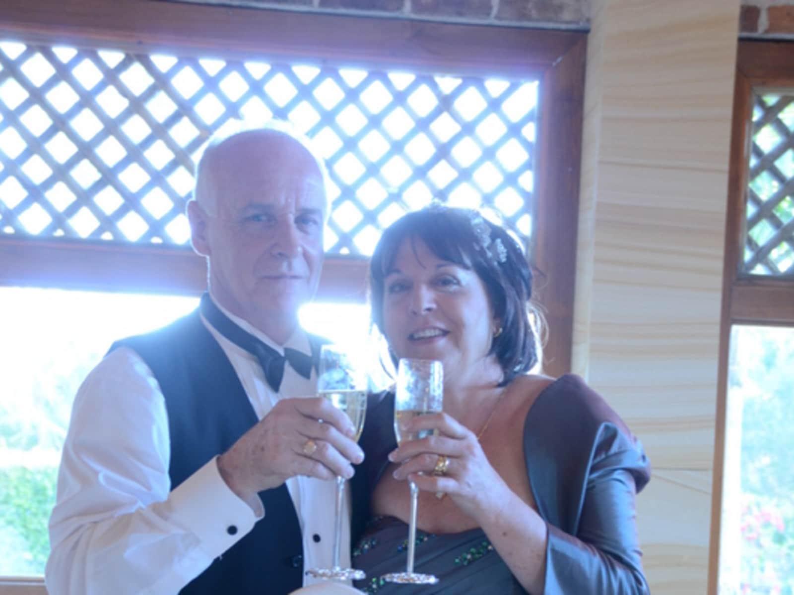 Linda & Roger from Elderslie, New South Wales, Australia