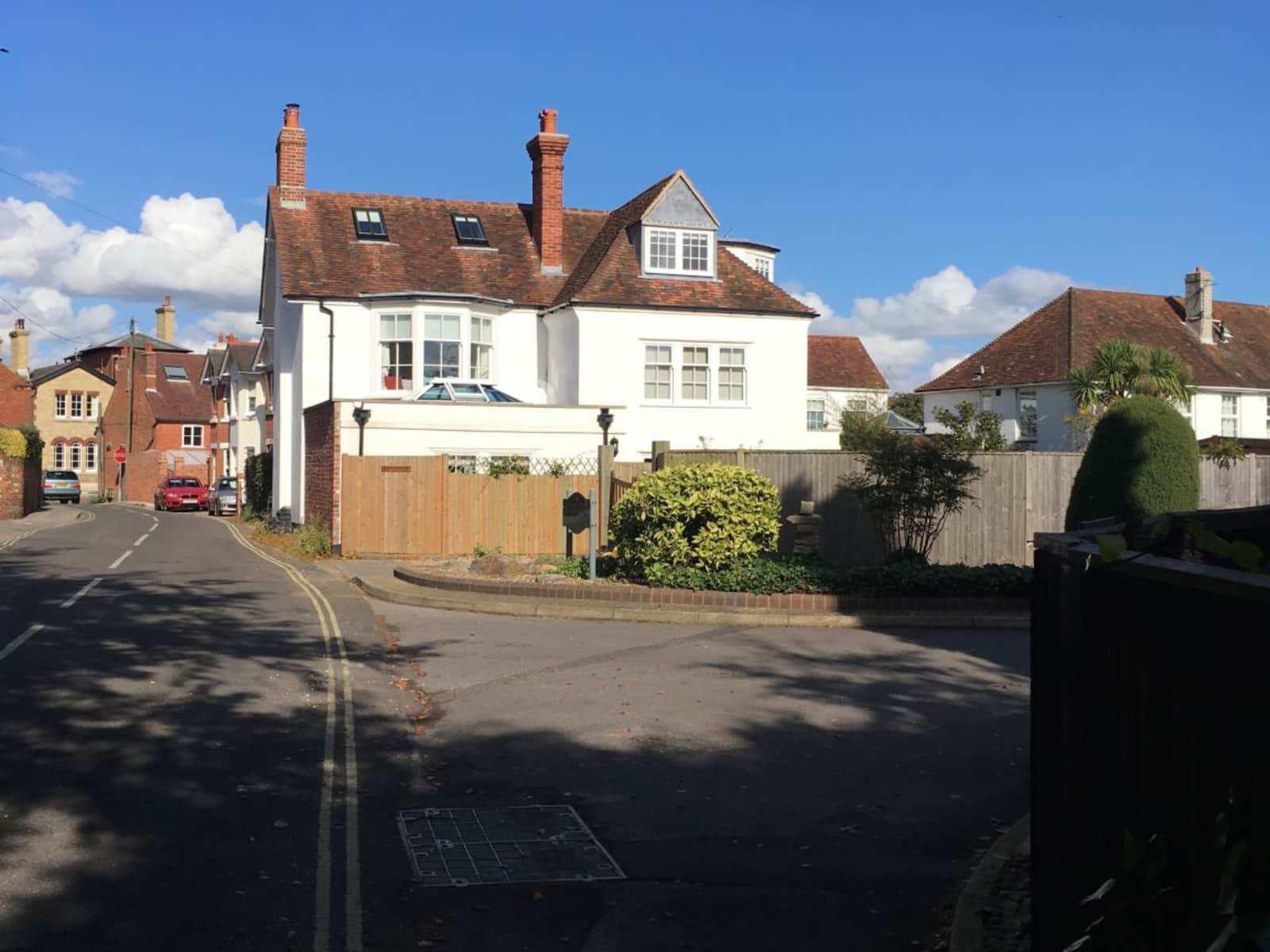 Housesitting assignment in Hamble, United Kingdom