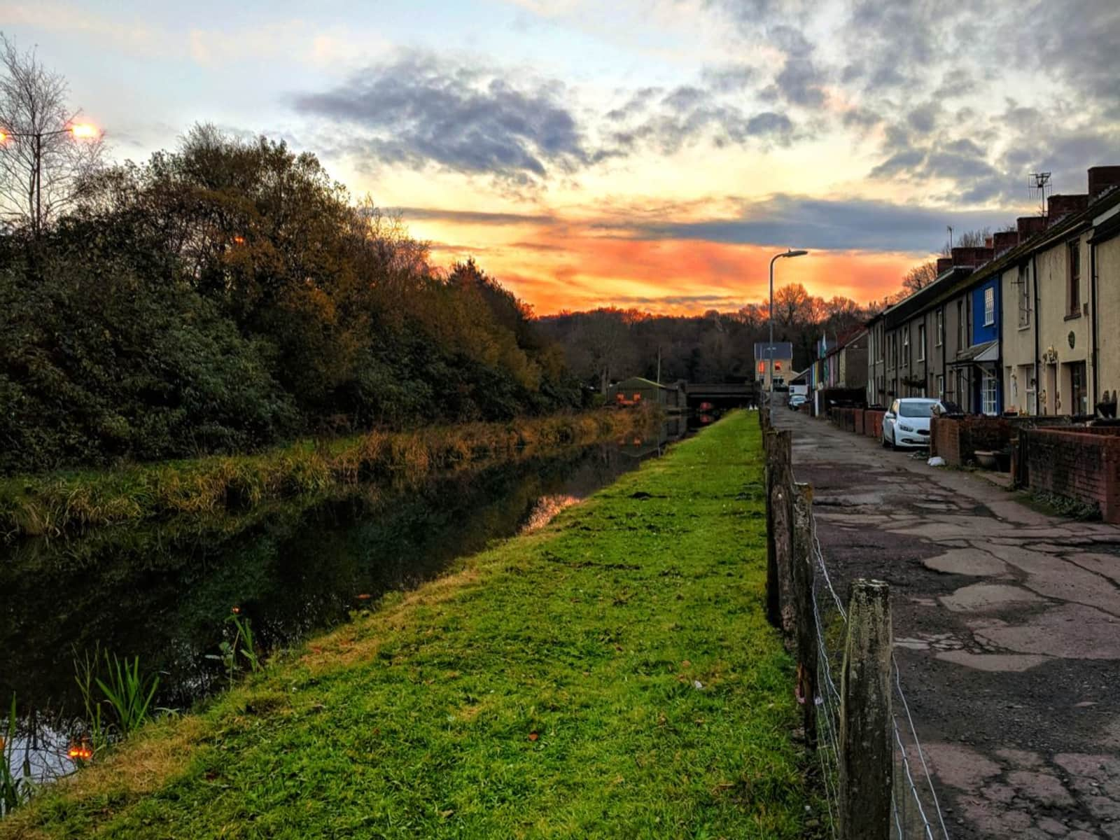 Housesitting assignment in Neath, United Kingdom