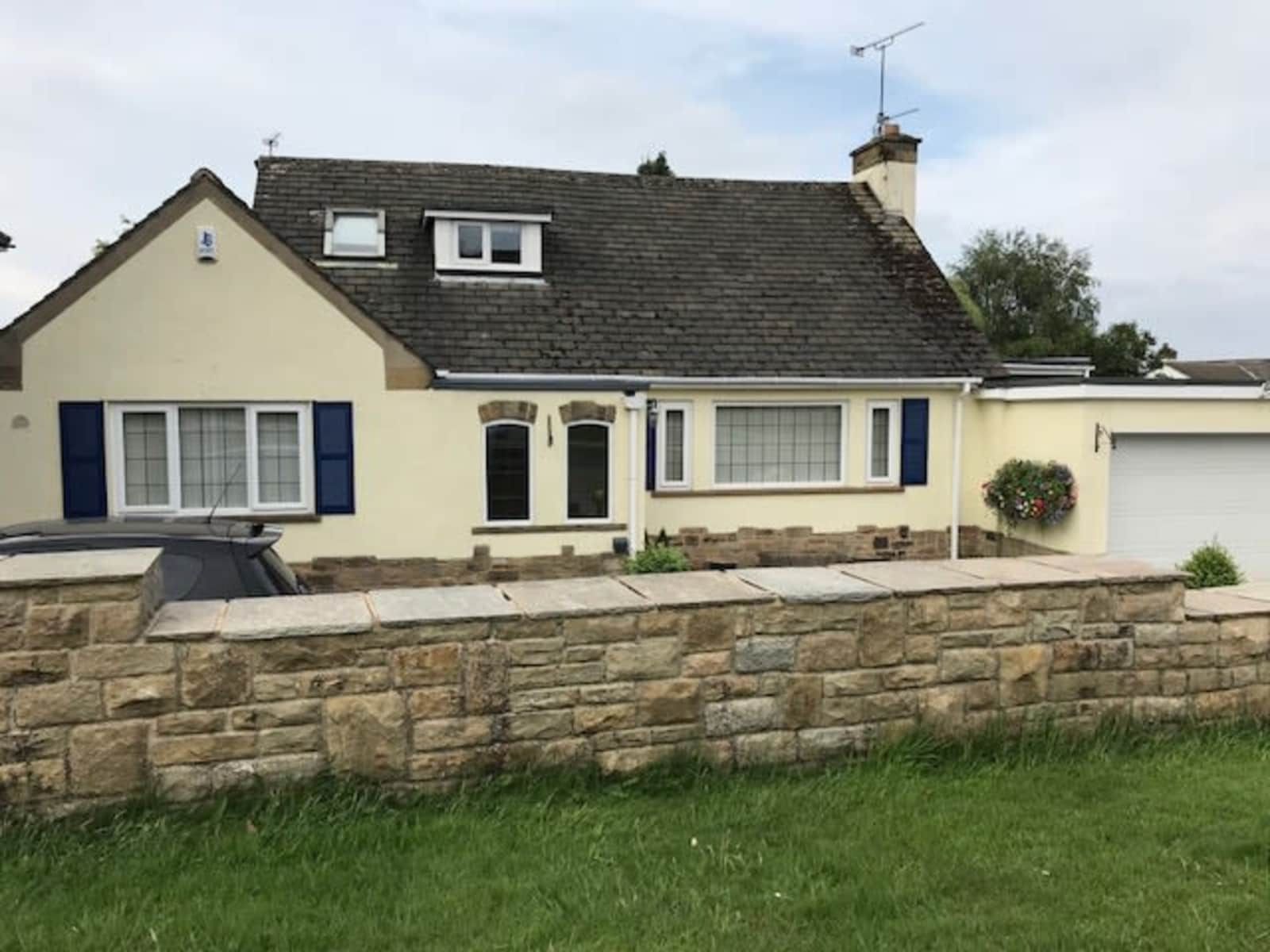 Housesitting assignment in Guiseley, United Kingdom