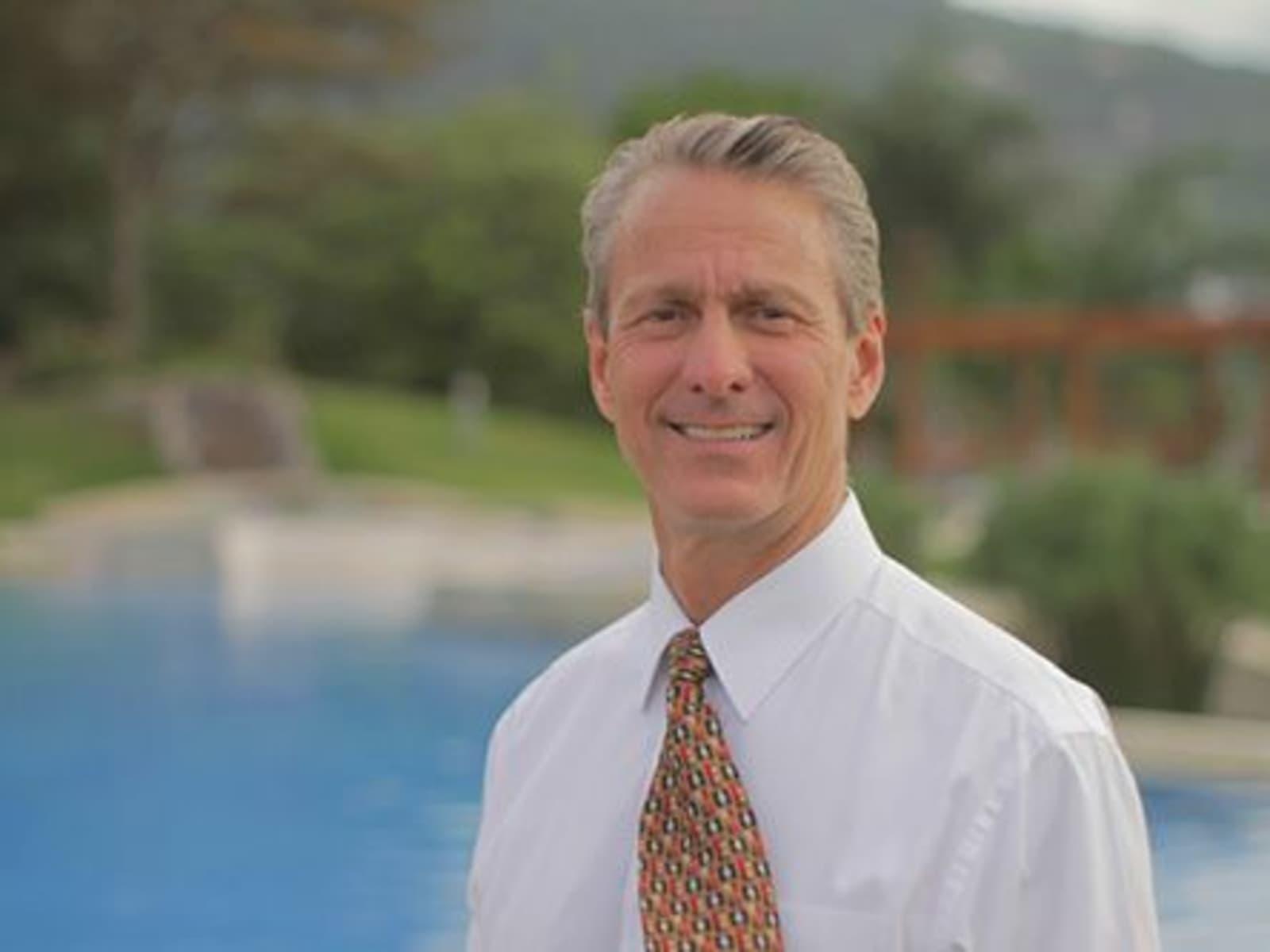 Scott from Santa Ana, Costa Rica