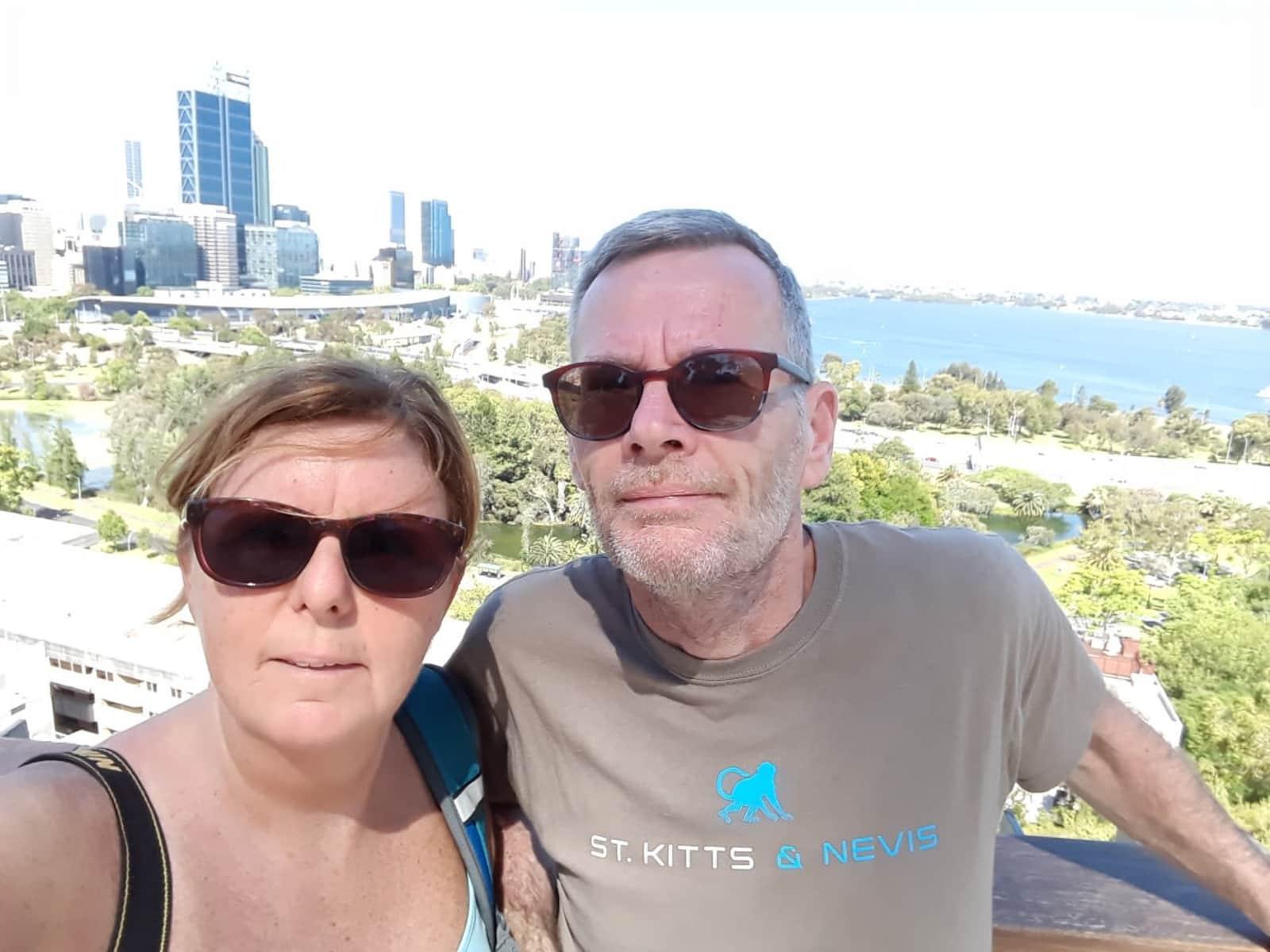 Fionnuala & Hugh from The Hague, Netherlands