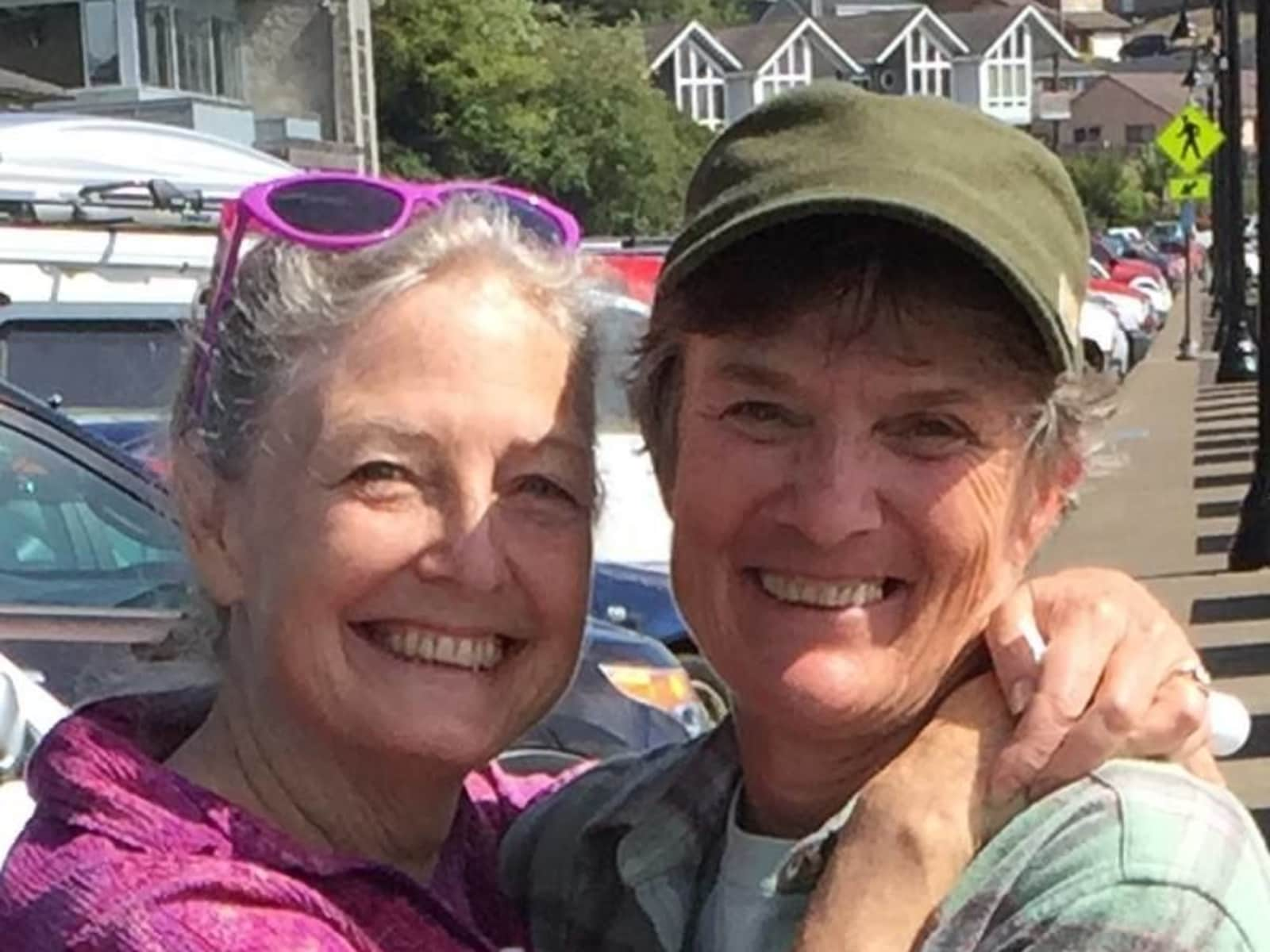 Akia & Irene from Newport, Oregon, United States
